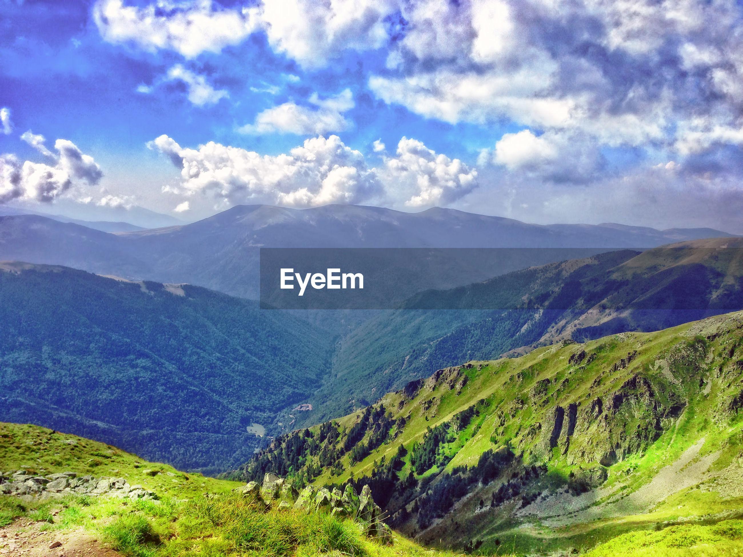 Panoramic view of mountain rang