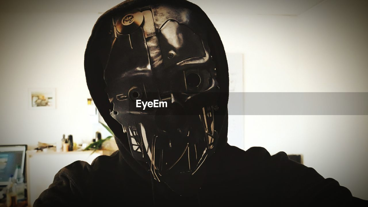 front view, headshot, men, indoors, one person, real people, close-up, headwear, halloween, day, people