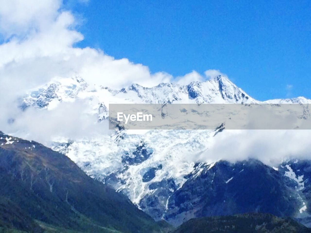 mountain, snow, nature, mountain range, beauty in nature, scenics, cold temperature, day, no people, winter, outdoors, snowcapped mountain, landscape, blue, sky, close-up