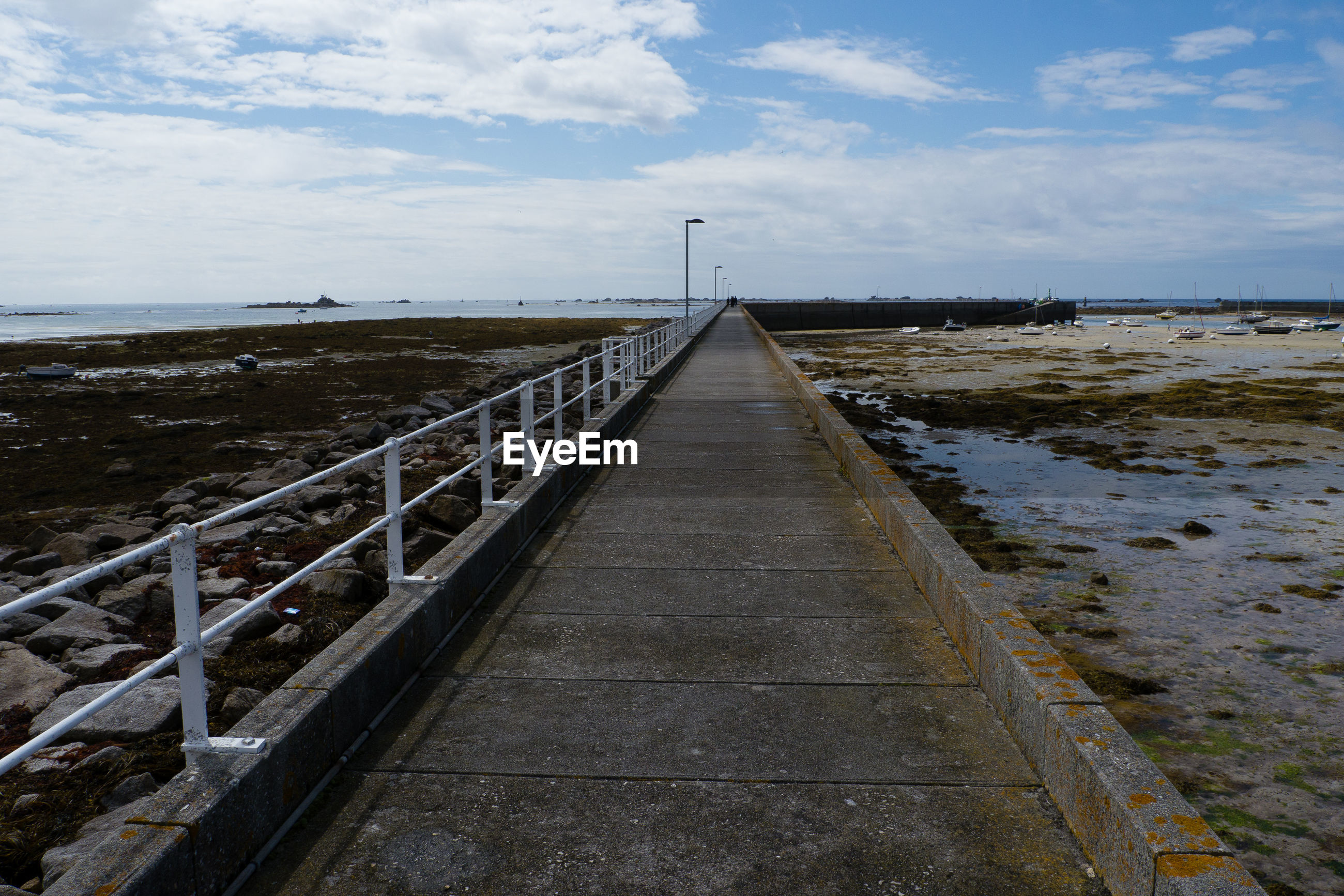 Surface level of jetty