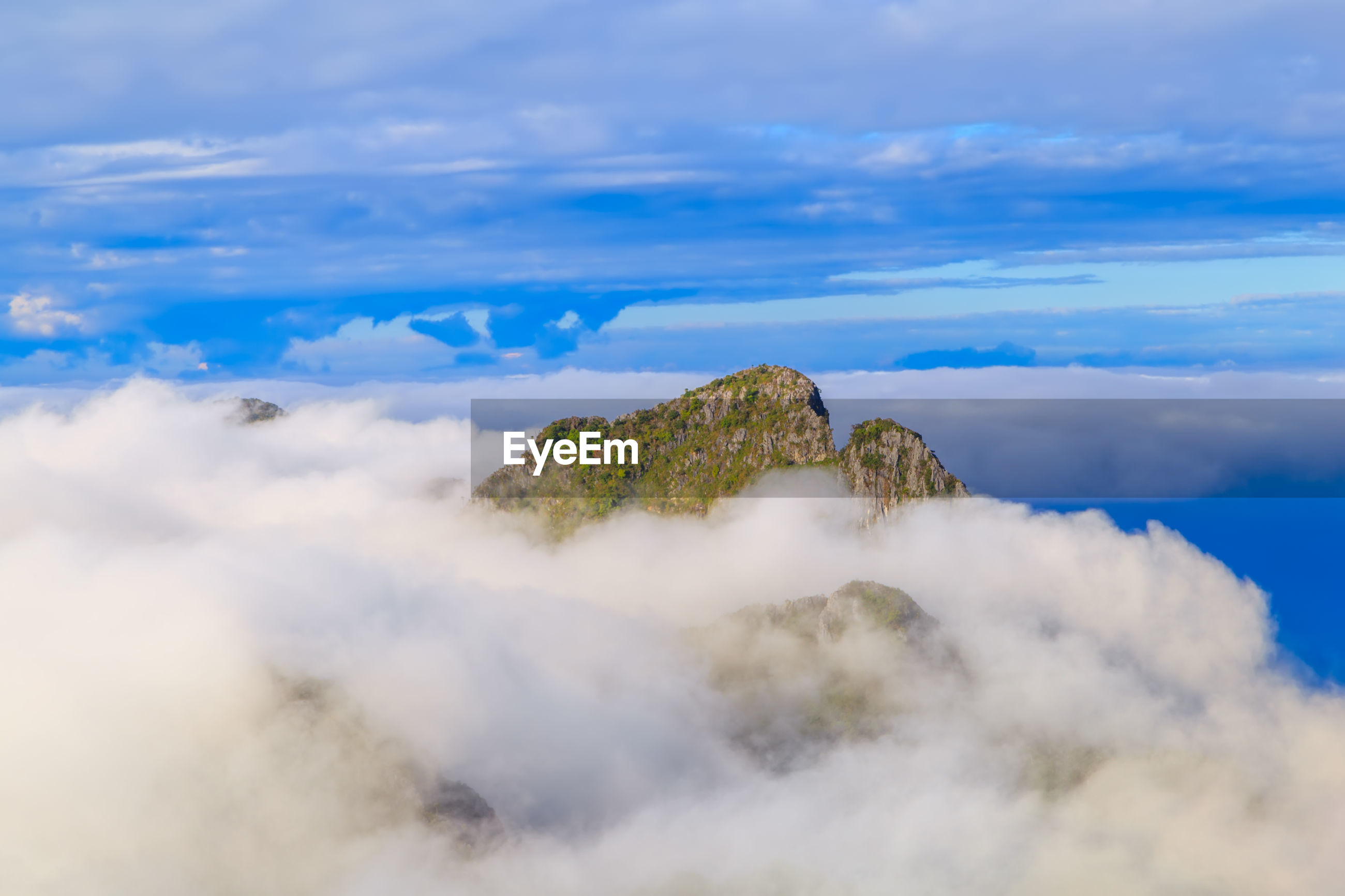 Scenic view of mountains and cloudscape