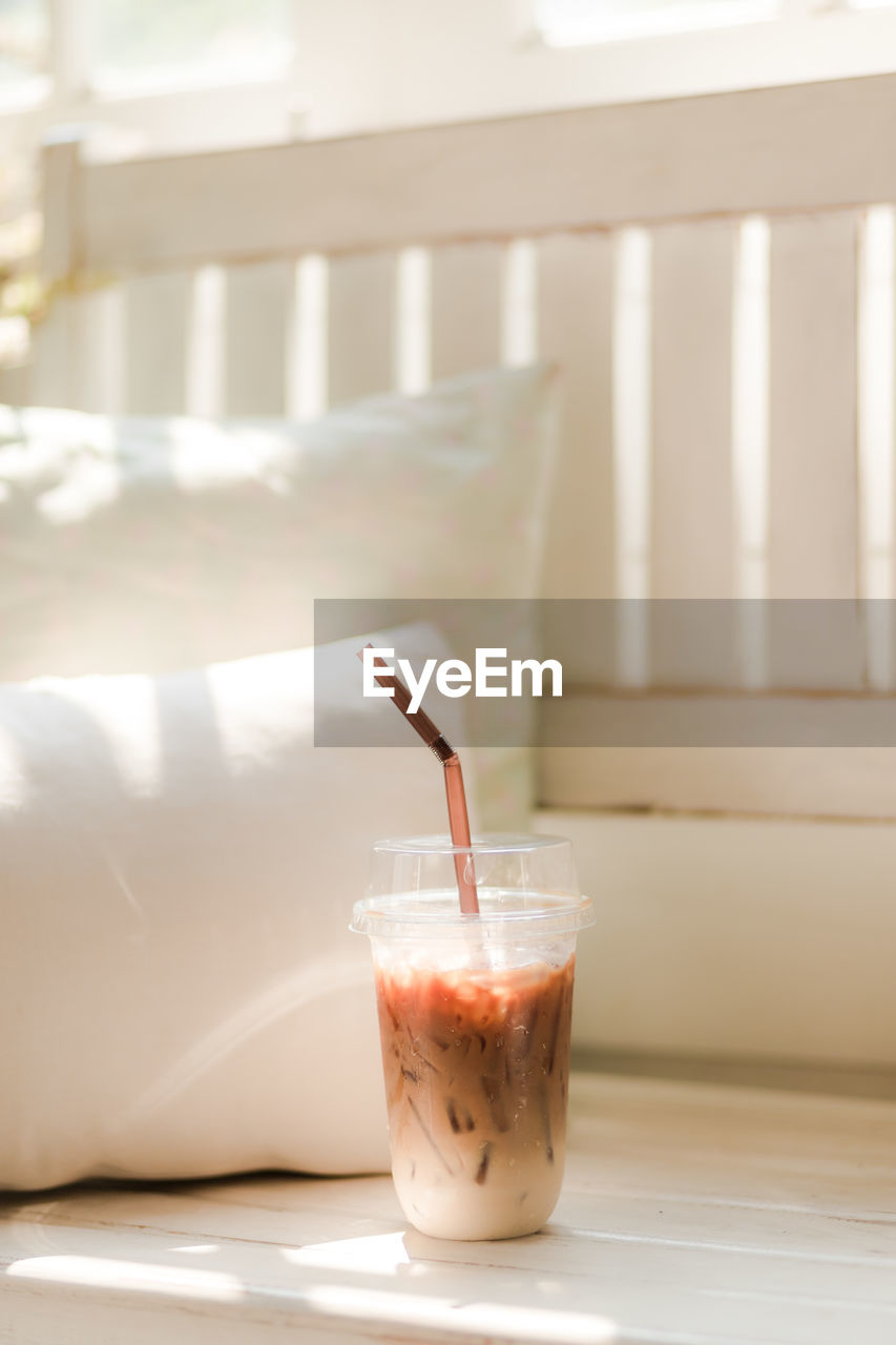 drink, straw, drinking straw, refreshment, glass, food and drink, drinking glass, household equipment, table, freshness, close-up, milk, indoors, no people, food, focus on foreground, smoothie, day, healthy eating, wellbeing