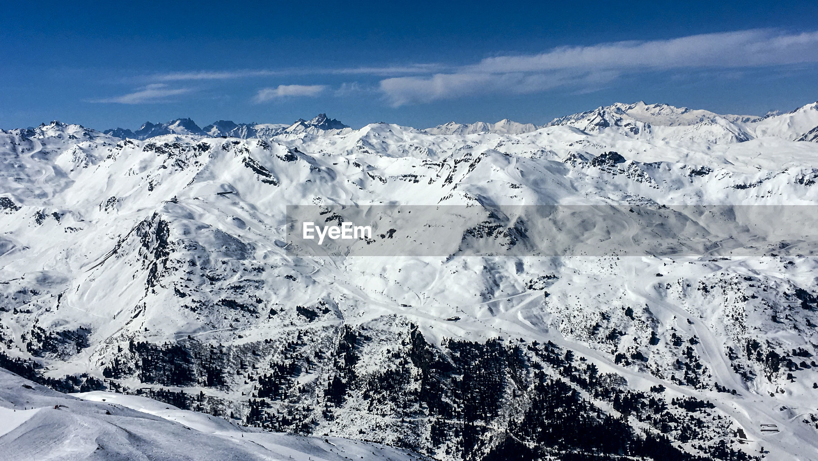 SNOWCAPPED MOUNTAINS AGAINST SKY