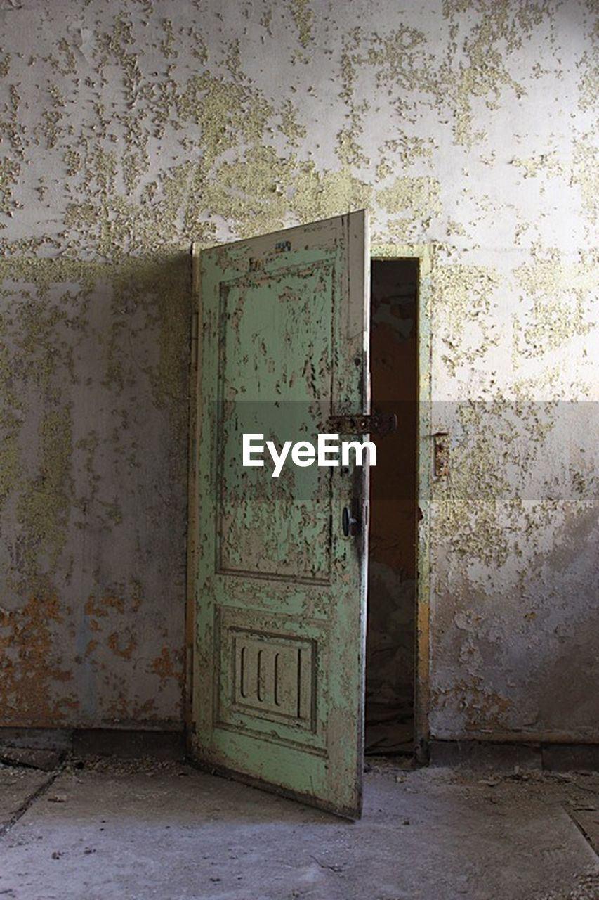 door, entrance, abandoned, damaged, no people, weathered, indoors, wallpaper, doorway, built structure, day, architecture