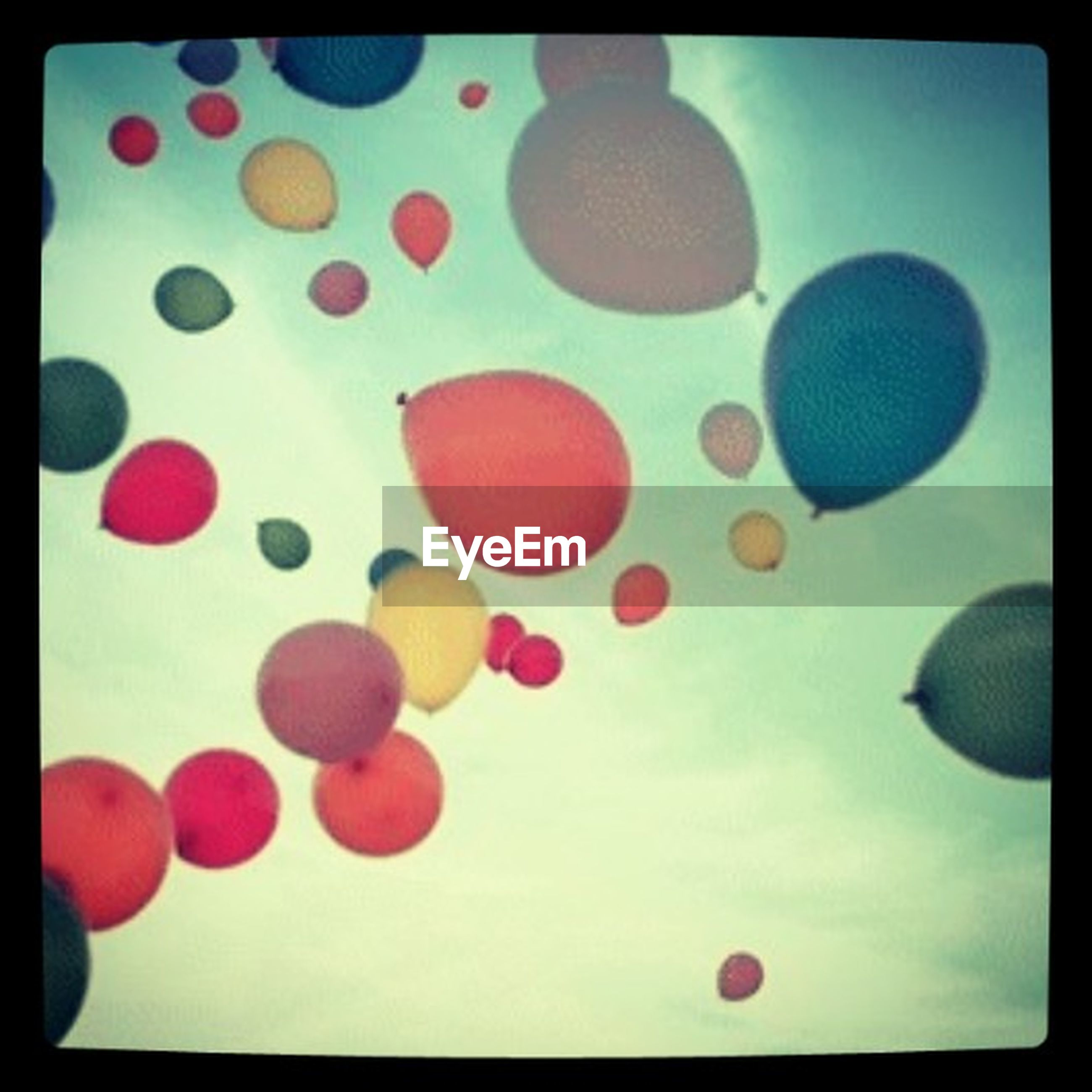 transfer print, auto post production filter, multi colored, circle, large group of objects, balloon, colorful, backgrounds, full frame, abundance, no people, low angle view, red, pattern, abstract, sky, celebration, sphere, shape, close-up