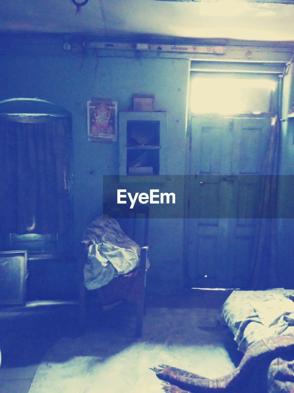indoors, bed, no people, bedroom, day