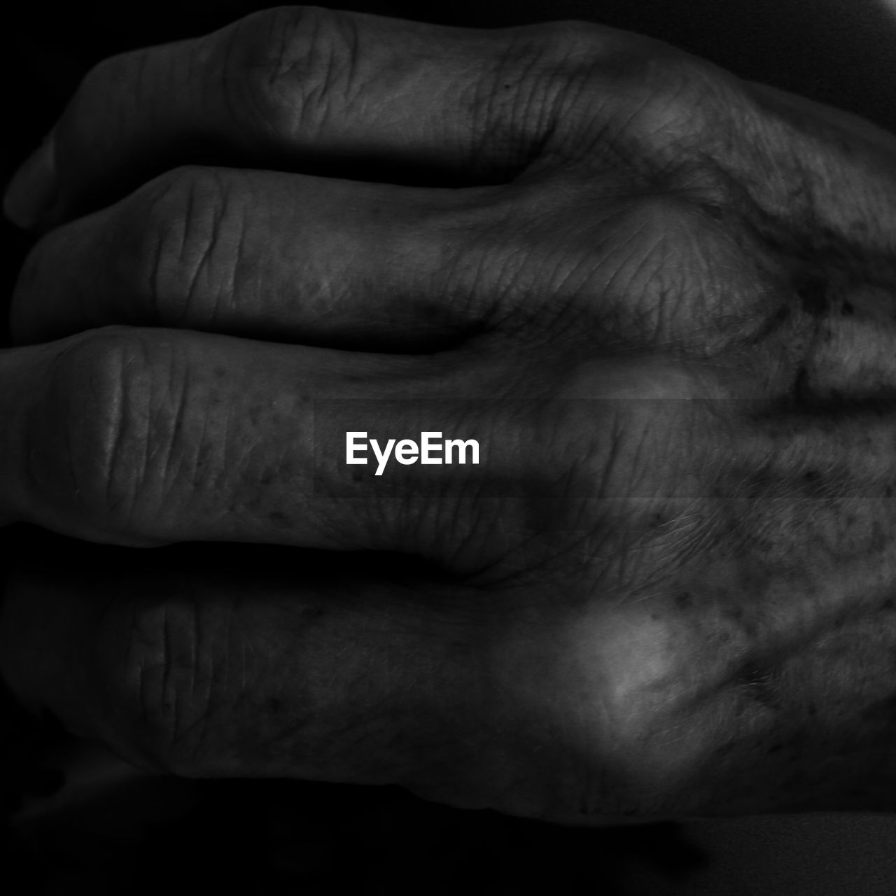 human body part, human hand, one person, men, human finger, real people, close-up, hands clasped, indoors, one man only, adult, day, people, adults only