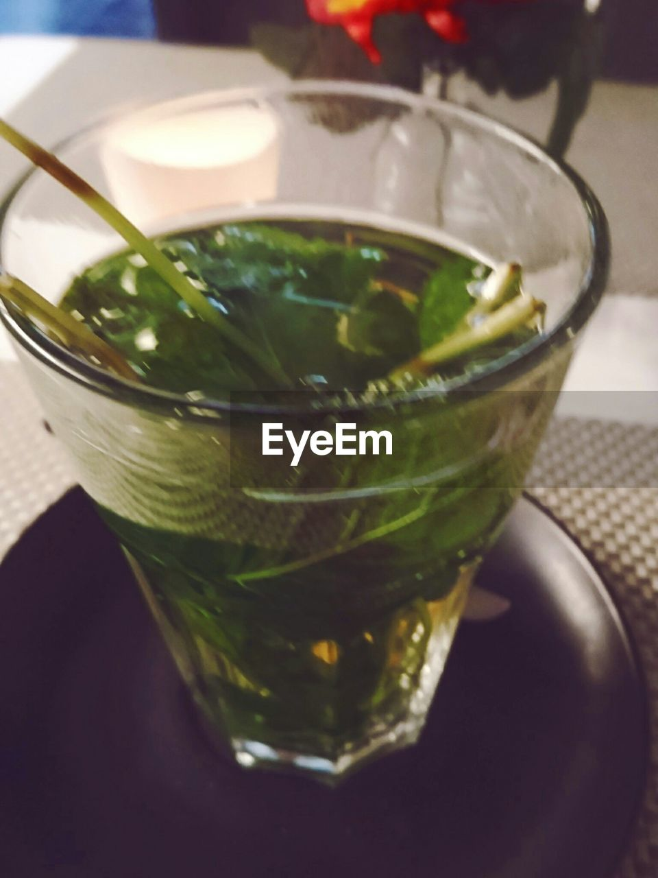 food and drink, refreshment, freshness, drink, drinking glass, close-up, table, indoors, mint leaf - culinary, no people, green color, healthy eating, mojito, day, mint tea