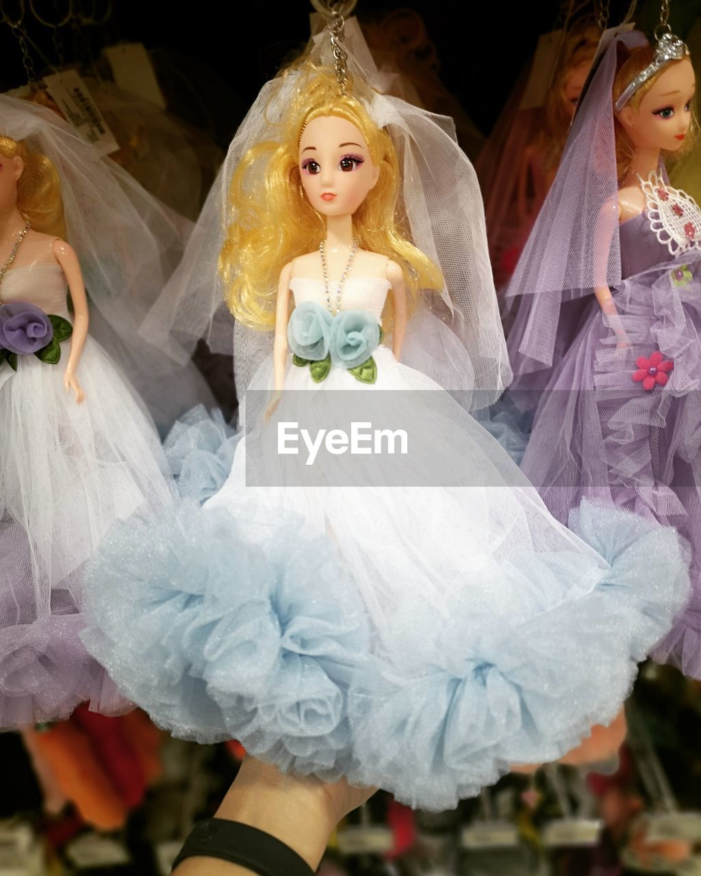 representation, human representation, celebration, wedding, event, women, female likeness, toy, focus on foreground, white color, wedding dress, newlywed, art and craft, bride, adult, people, day, outdoors, costume
