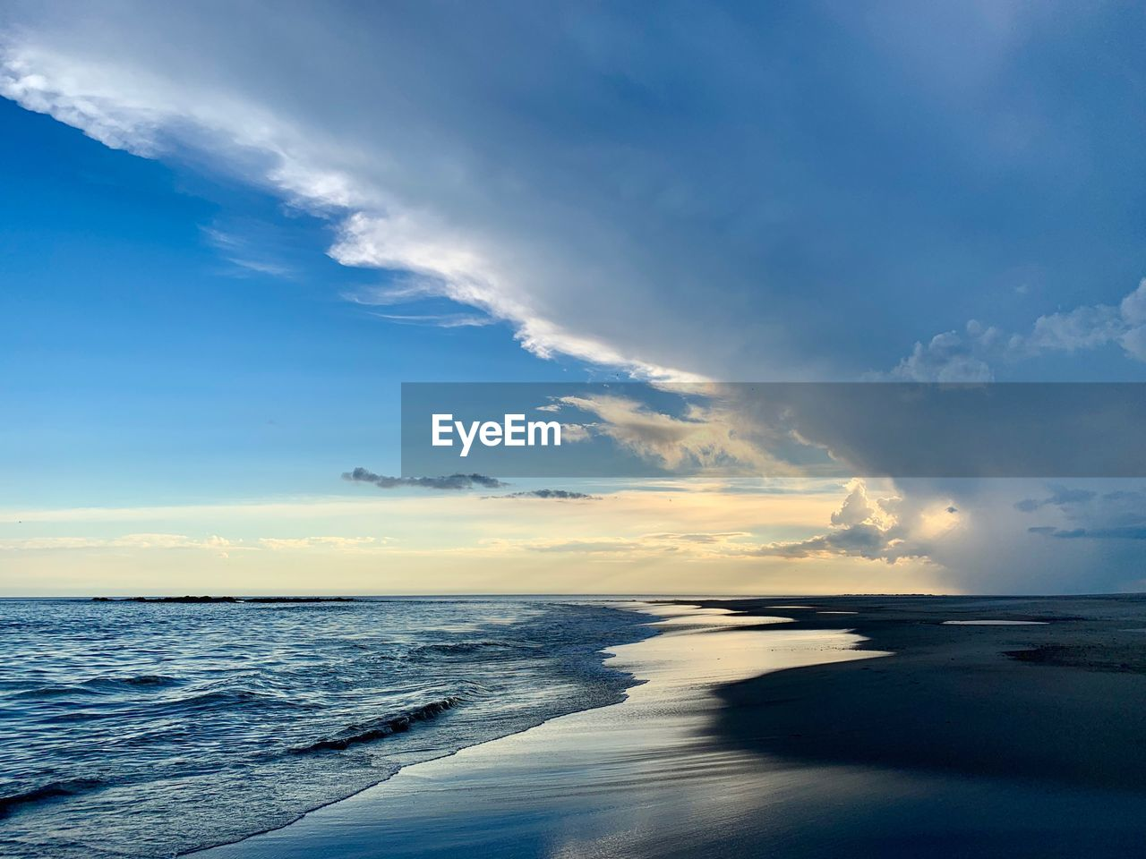 sky, sea, water, scenics - nature, cloud - sky, beauty in nature, horizon over water, horizon, tranquility, tranquil scene, beach, sunset, motion, land, nature, idyllic, wave, non-urban scene, no people, outdoors