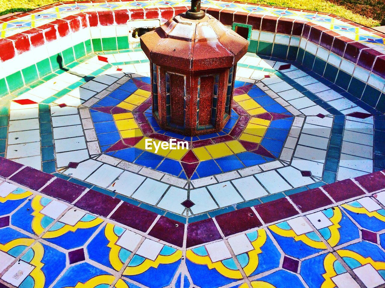 swimming pool, pattern, no people, multi colored, water, day, outdoors
