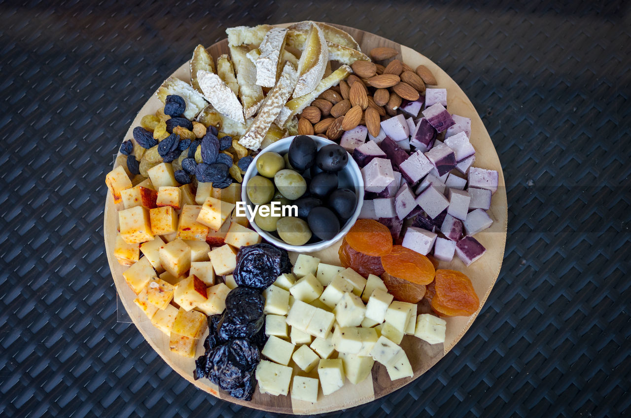 food and drink, food, freshness, fruit, healthy eating, directly above, blueberry, wellbeing, table, still life, high angle view, no people, choice, ready-to-eat, bowl, variation, berry fruit, grape, indoors, breakfast, temptation, fruit salad