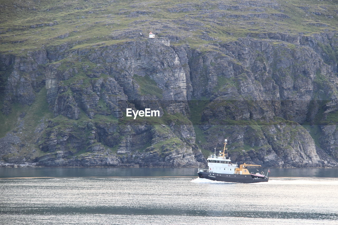 nautical vessel, transportation, mode of transport, sea, water, no people, nature, day, outdoors
