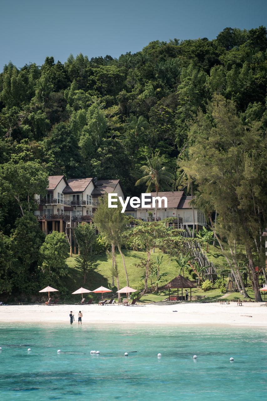 HOUSES ON THE BEACH