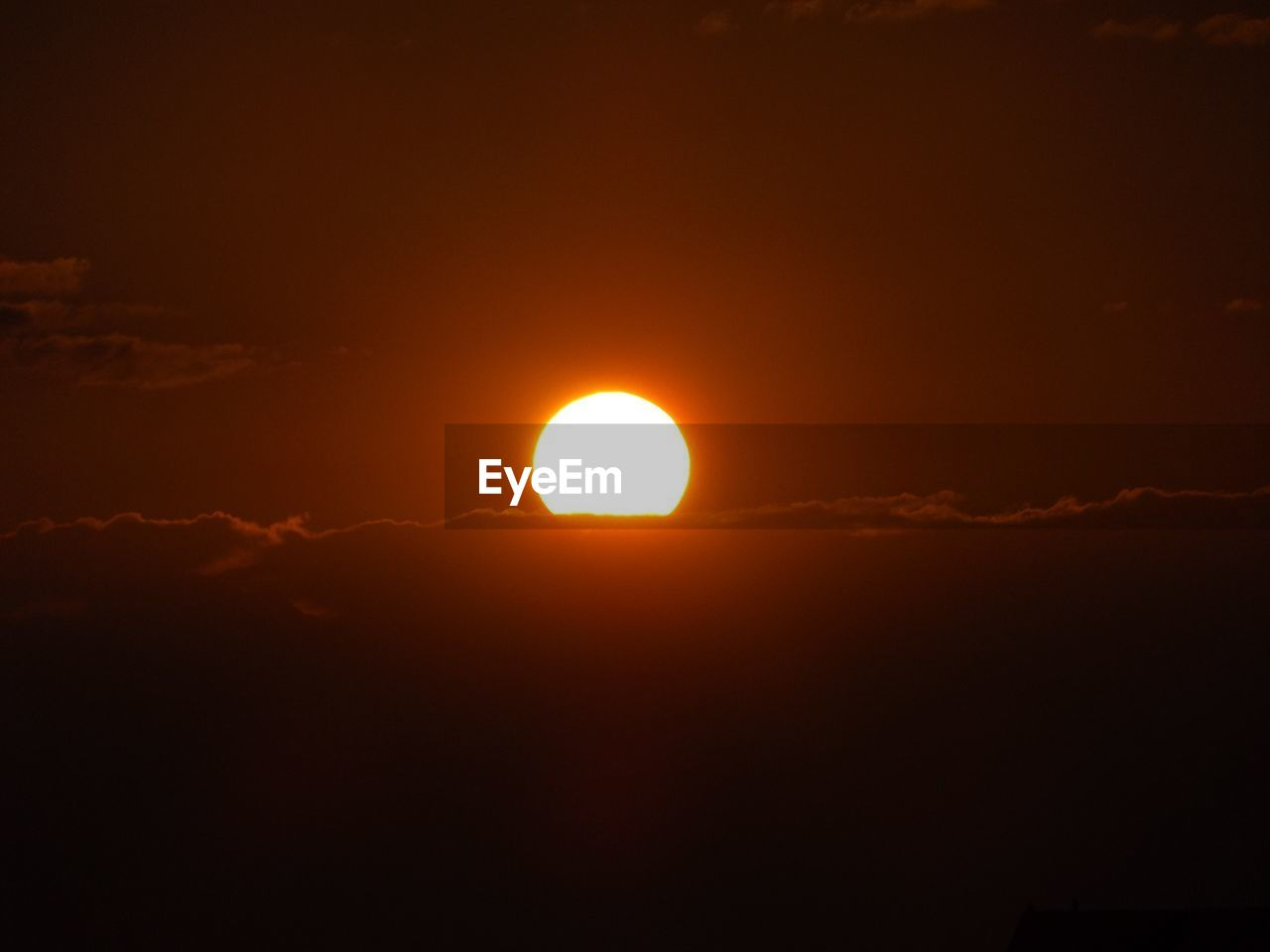 sun, sunset, beauty in nature, scenics, orange color, nature, sky, majestic, tranquil scene, no people, tranquility, outdoors, silhouette, moon, cloud - sky, sunlight, yellow, solar eclipse, astronomy, day