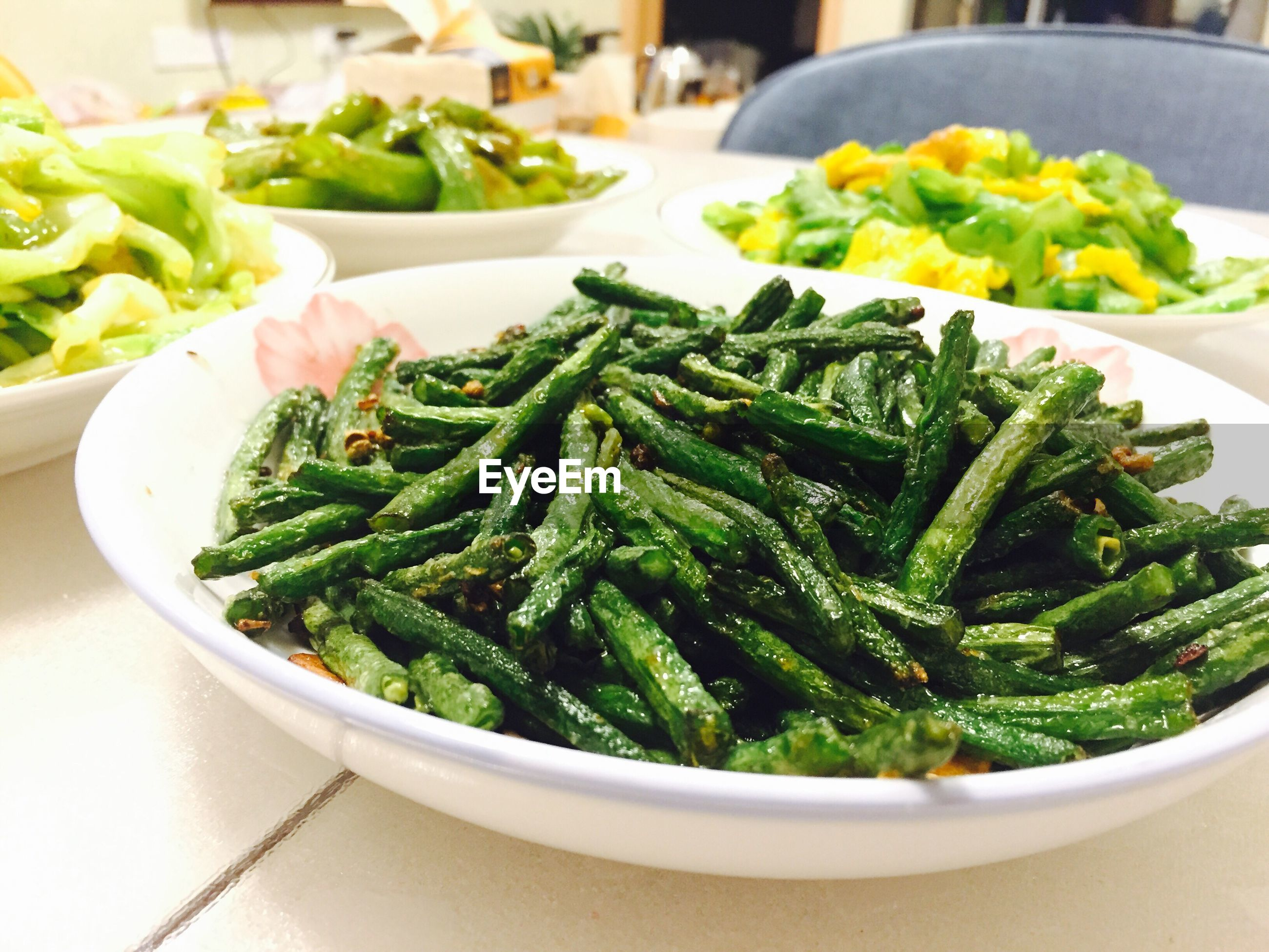 food, food and drink, healthy eating, freshness, vegetable, wellbeing, green color, still life, plate, indoors, ready-to-eat, table, close-up, serving size, no people, bowl, focus on foreground, high angle view, meal, bean, crockery, vegetarian food, serving dish
