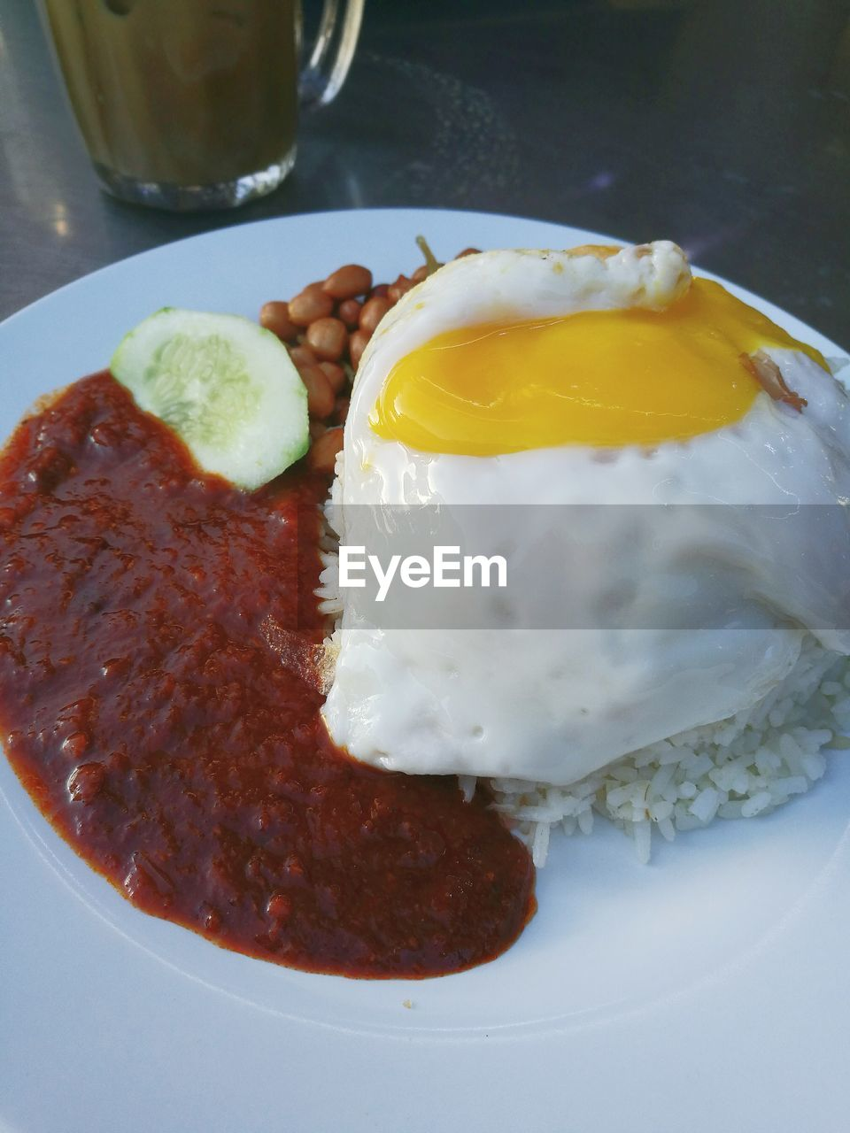 egg, food and drink, fried egg, plate, food, ready-to-eat, no people, freshness, breakfast, egg yolk, yellow, indoors, close-up, day