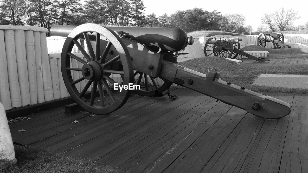 weapon, canon, cannon, history, military, war, wheel, day, no people, old-fashioned, outdoors, tree
