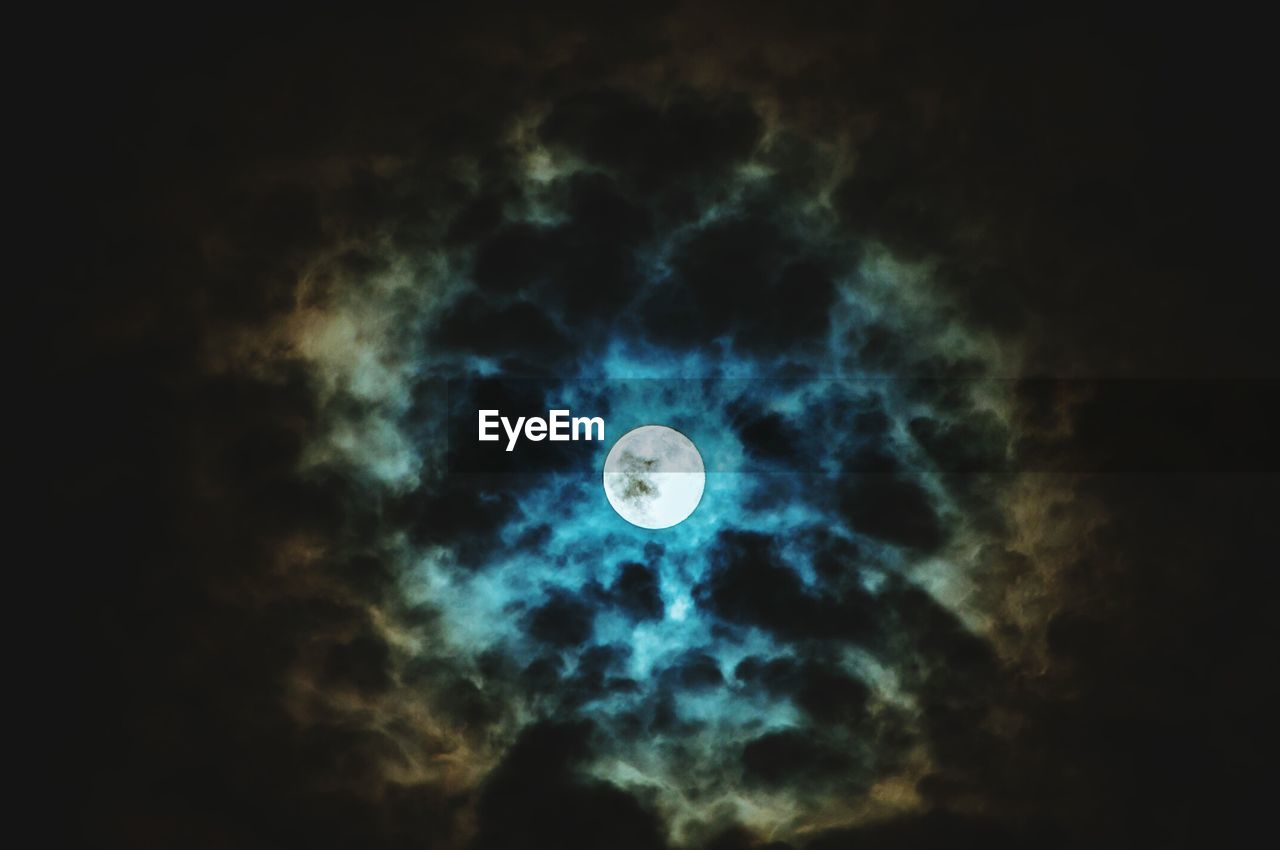 moon, night, astronomy, planetary moon, beauty in nature, sky, low angle view, nature, scenics, no people, moon surface, cloud - sky, outdoors, space