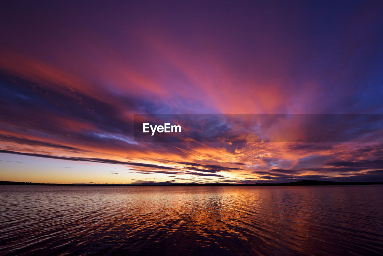 sky, sunset, scenics - nature, water, beauty in nature, cloud - sky, sea, tranquil scene, tranquility, horizon over water, horizon, waterfront, no people, orange color, idyllic, nature, non-urban scene, outdoors, dramatic sky, romantic sky