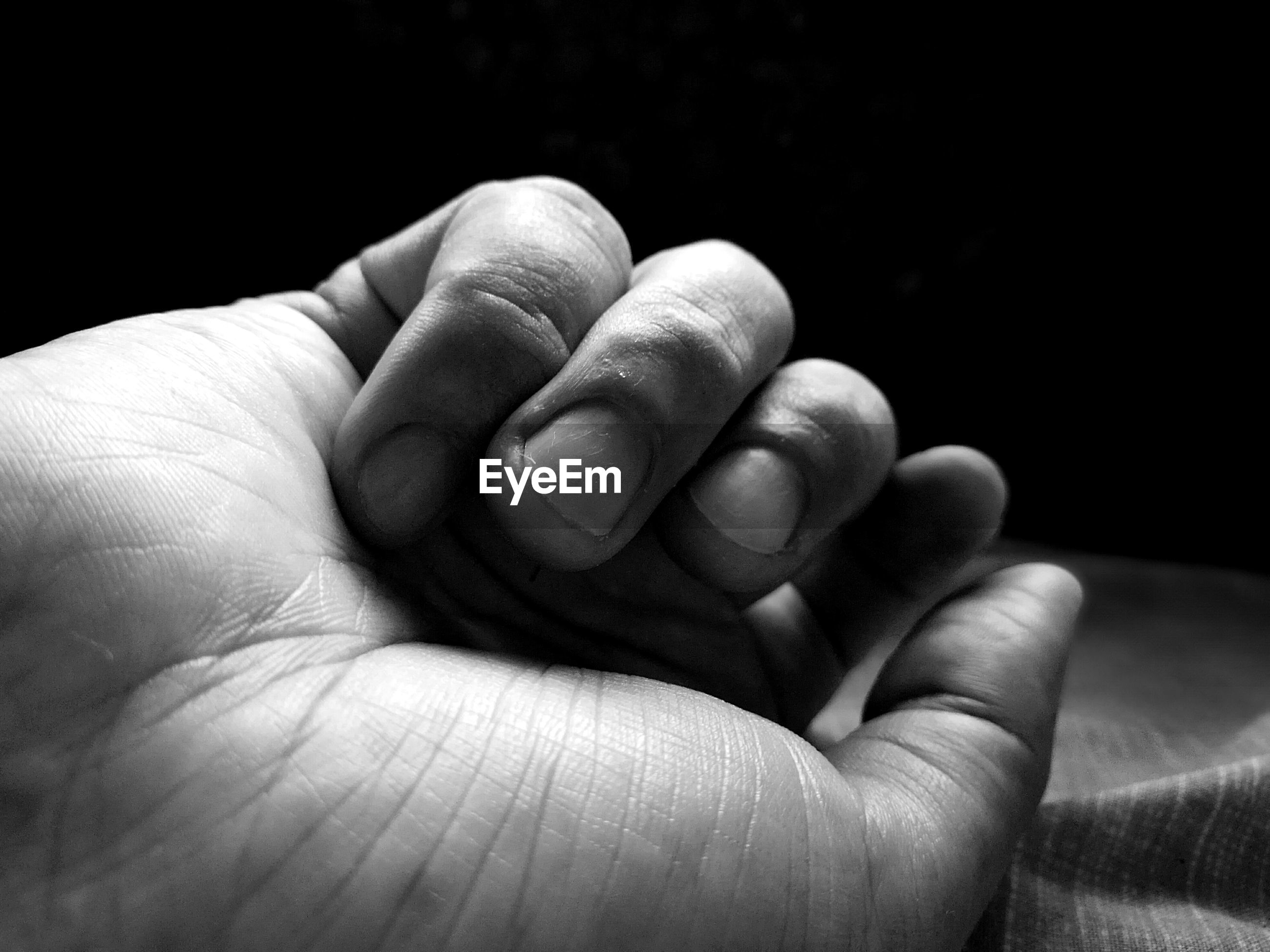 Cropped image of hand
