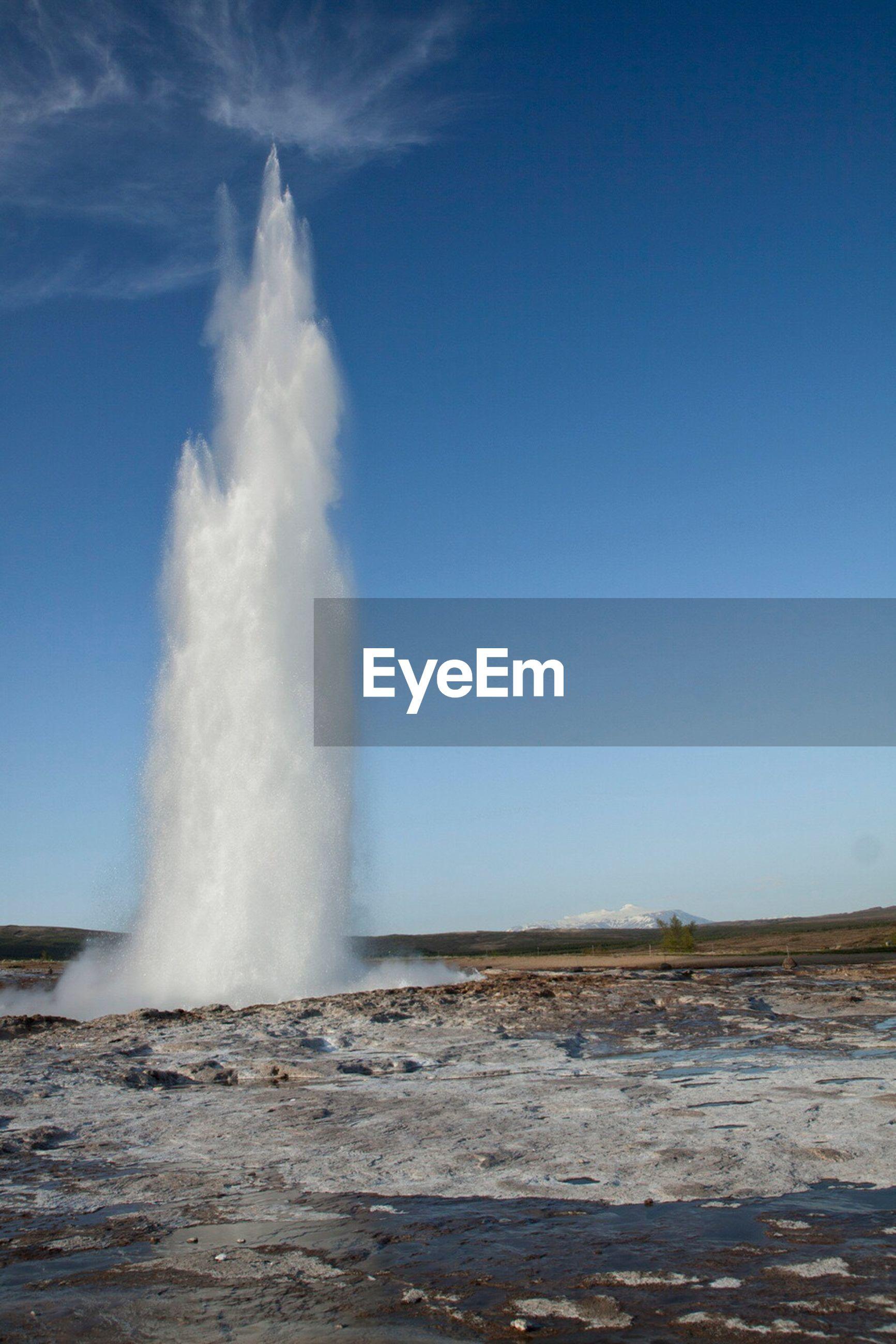 WATER SPLASHING IN FOUNTAIN