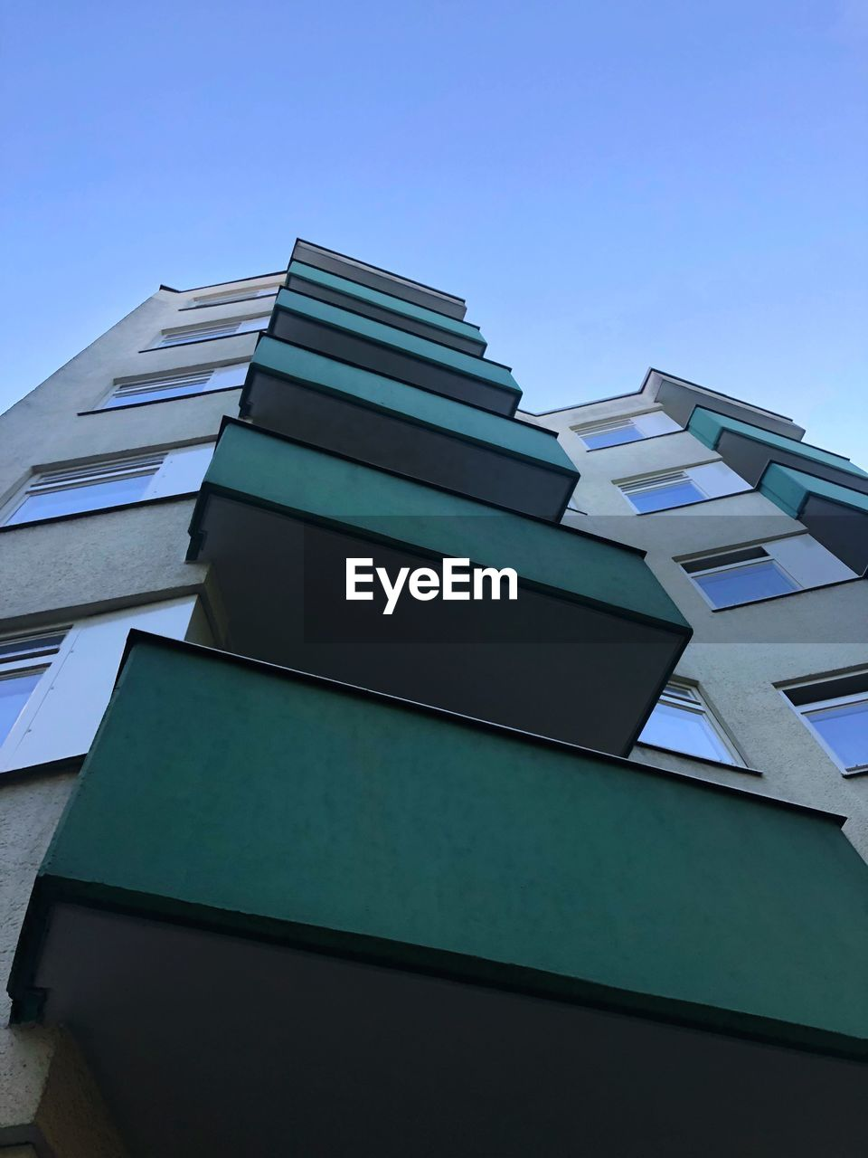 built structure, architecture, building exterior, low angle view, sky, building, no people, modern, city, nature, day, blue, clear sky, office building exterior, tall - high, office, skyscraper, outdoors, residential district, copy space