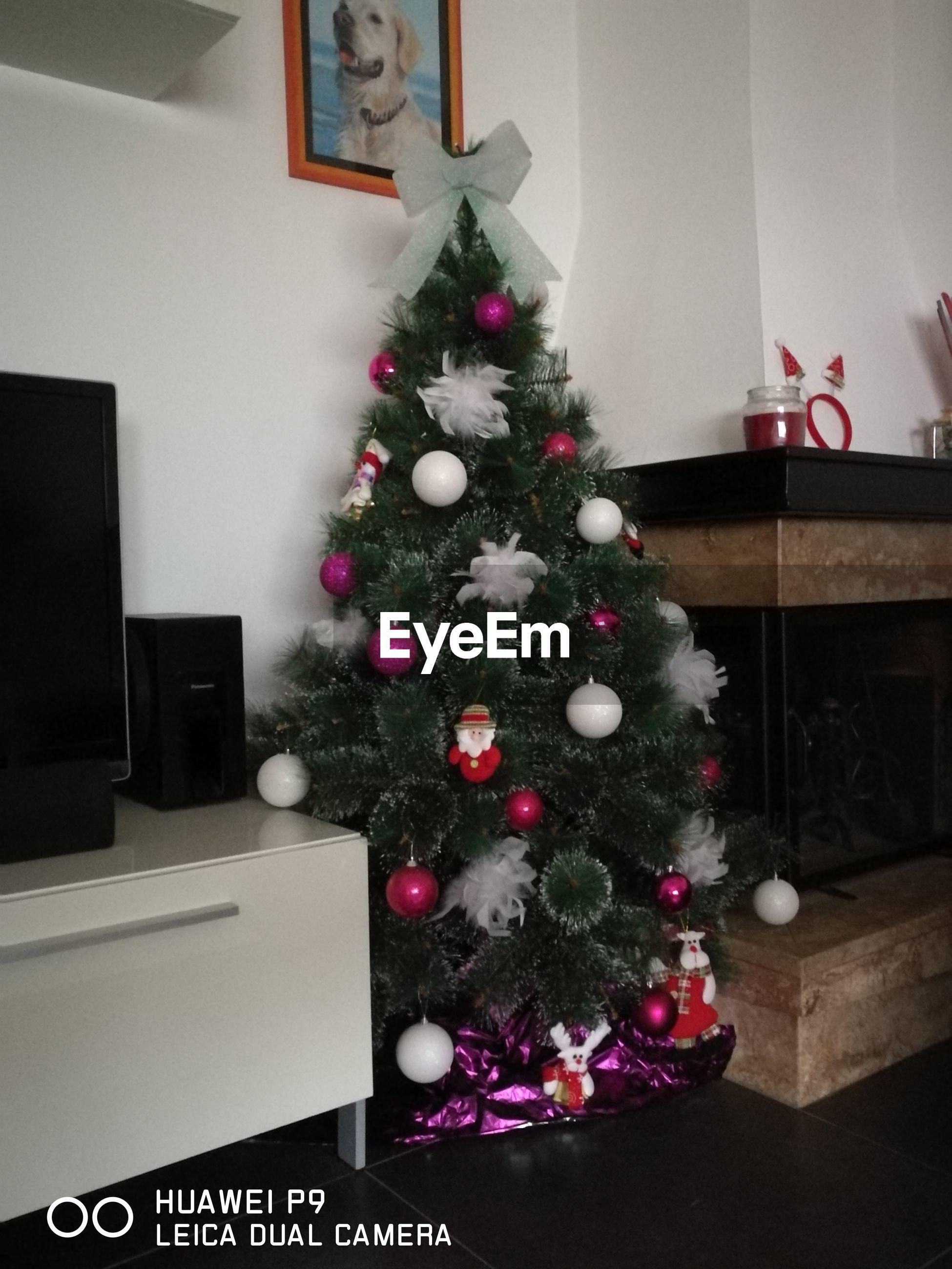 christmas, christmas tree, christmas decoration, celebration, indoors, decoration, home interior, tradition, christmas ornament, no people, day