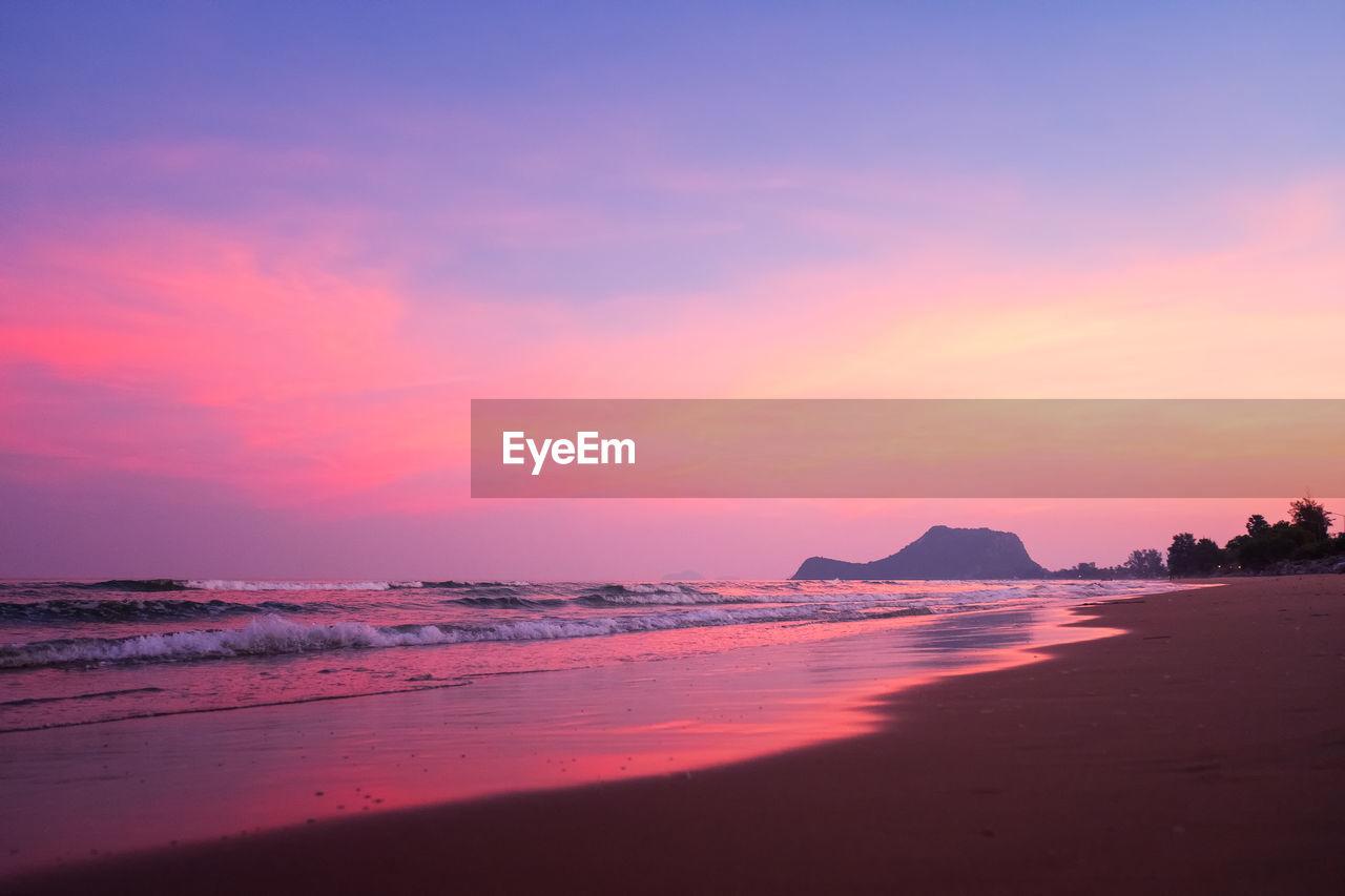 sunset, sky, water, beauty in nature, sea, land, scenics - nature, beach, orange color, tranquility, tranquil scene, idyllic, horizon, horizon over water, no people, cloud - sky, nature, silhouette, outdoors, purple, romantic sky