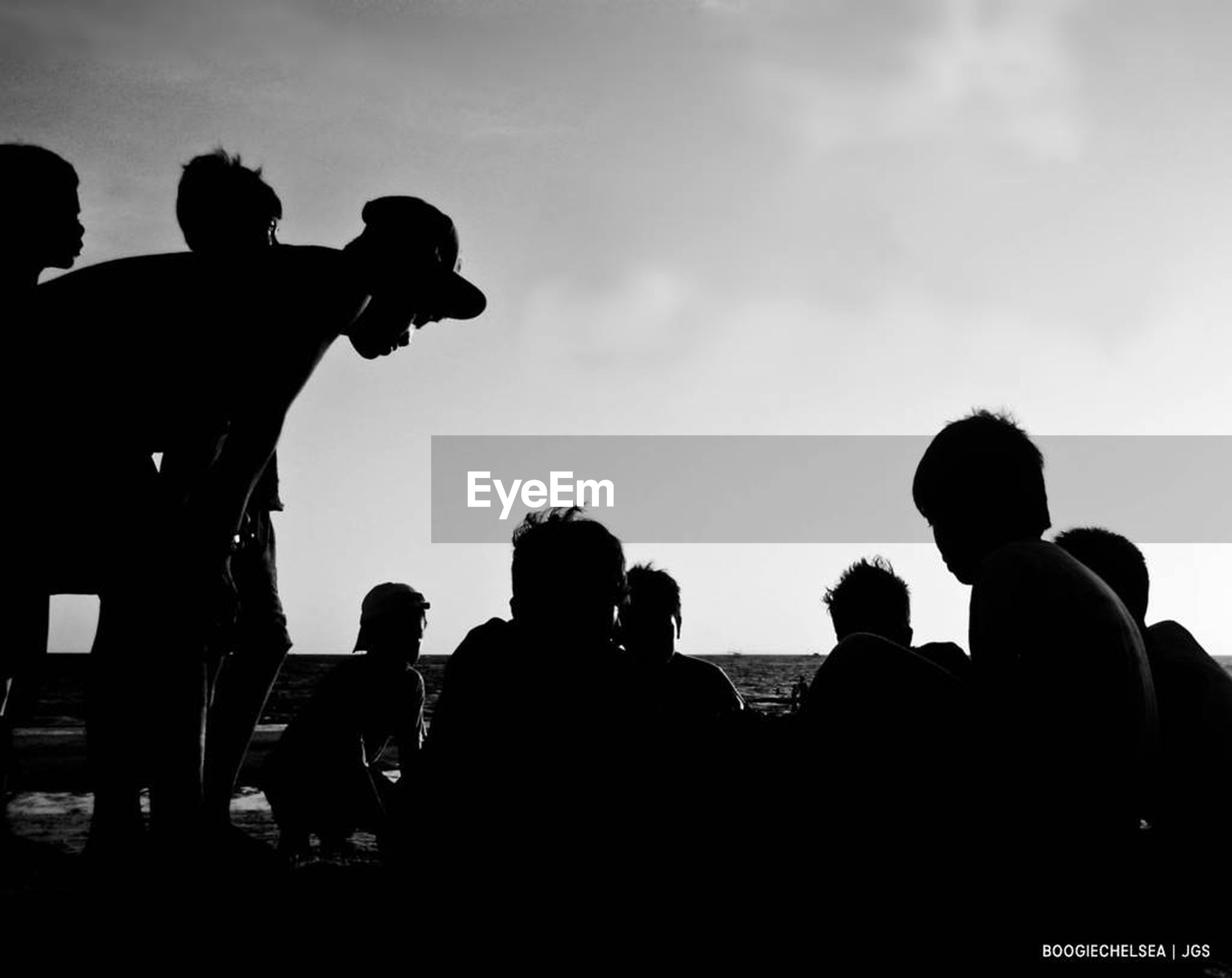 silhouette, sky, men, real people, leisure activity, large group of people, outdoors, togetherness, women, lifestyles, cloud - sky, vacations, day, nature, photography themes, crowd, adult, people