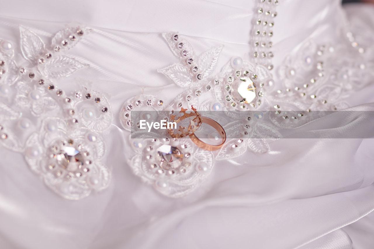 Jewelry On Wedding Dress