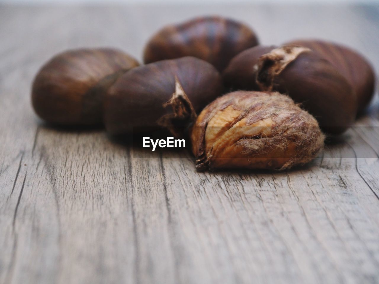 food and drink, still life, food, table, nut - food, walnut, healthy eating, close-up, no people, freshness, indoors, selective focus, nutshell, brown, day
