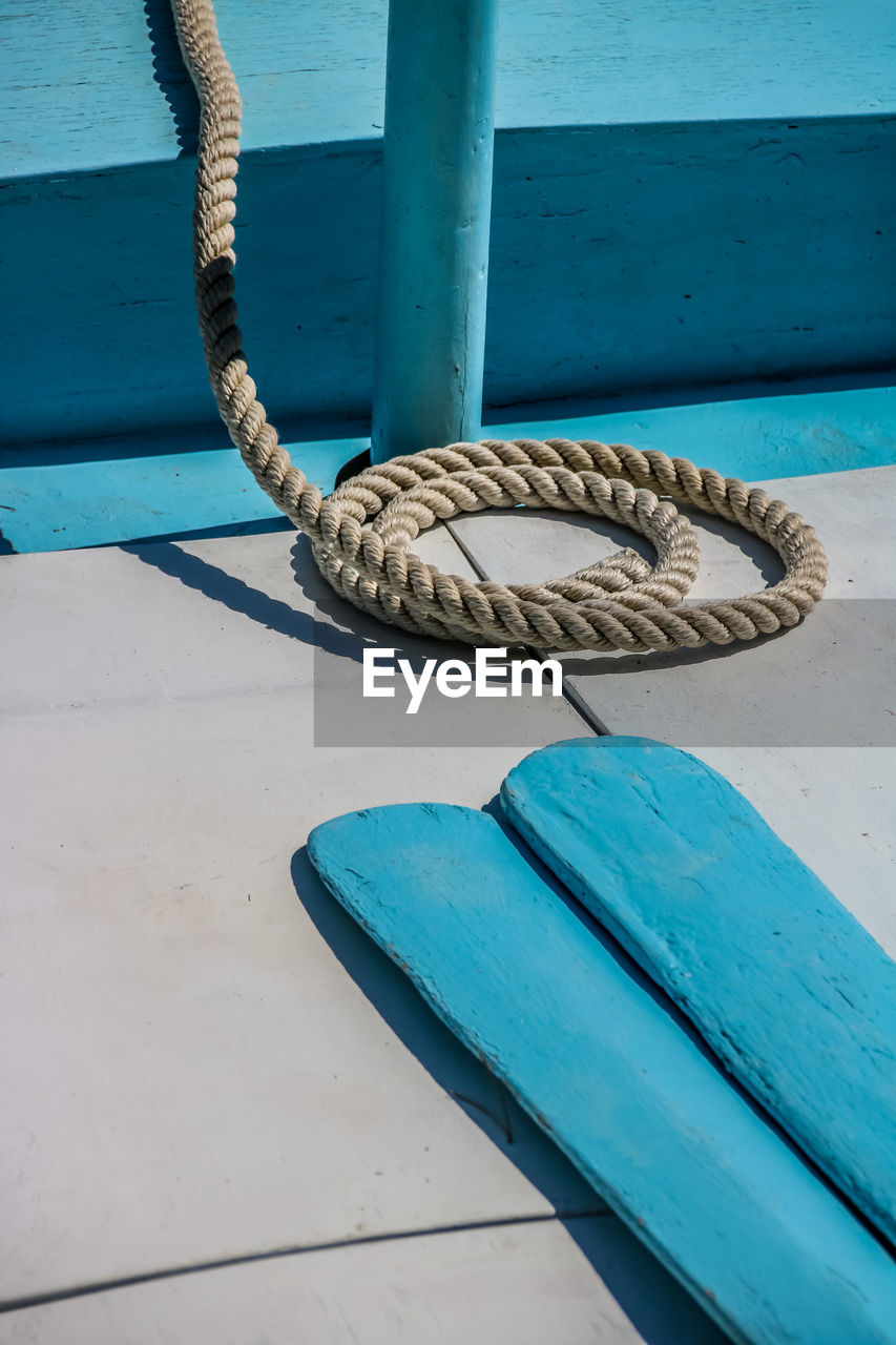 rope, no people, day, blue, strength, nature, outdoors, nautical vessel, metal, tied up, animal, sunlight, connection, animal wildlife, water, vertebrate, transportation, animal themes, mode of transportation, safety