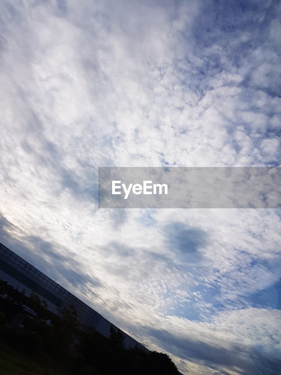 sky, low angle view, cloud - sky, no people, nature, outdoors, beauty in nature, day