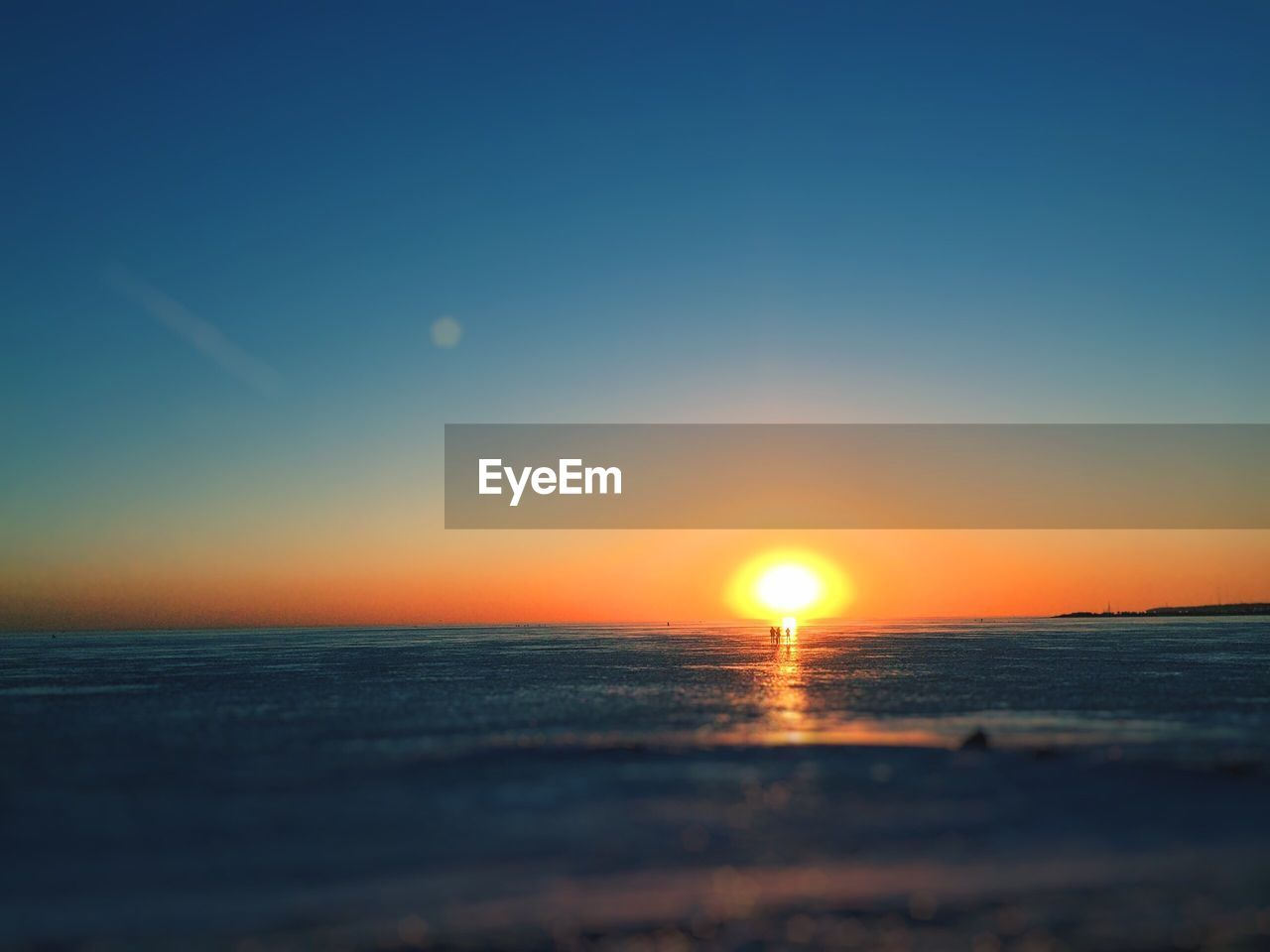 sky, sea, water, beauty in nature, scenics - nature, horizon over water, sunset, horizon, tranquility, sun, tranquil scene, orange color, idyllic, beach, land, nature, clear sky, no people, non-urban scene, outdoors