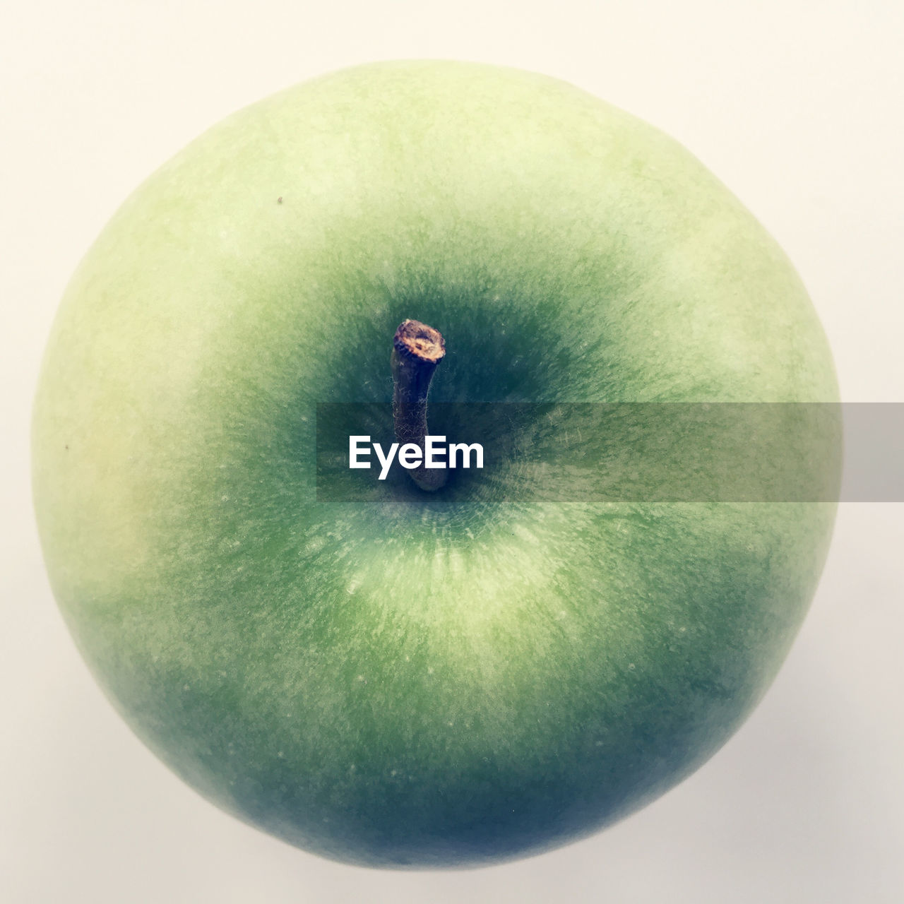 fruit, food and drink, healthy eating, freshness, food, apple - fruit, studio shot, green color, apple, granny smith apple, close-up, single object, white background, ripe, no people, mango, indoors, day