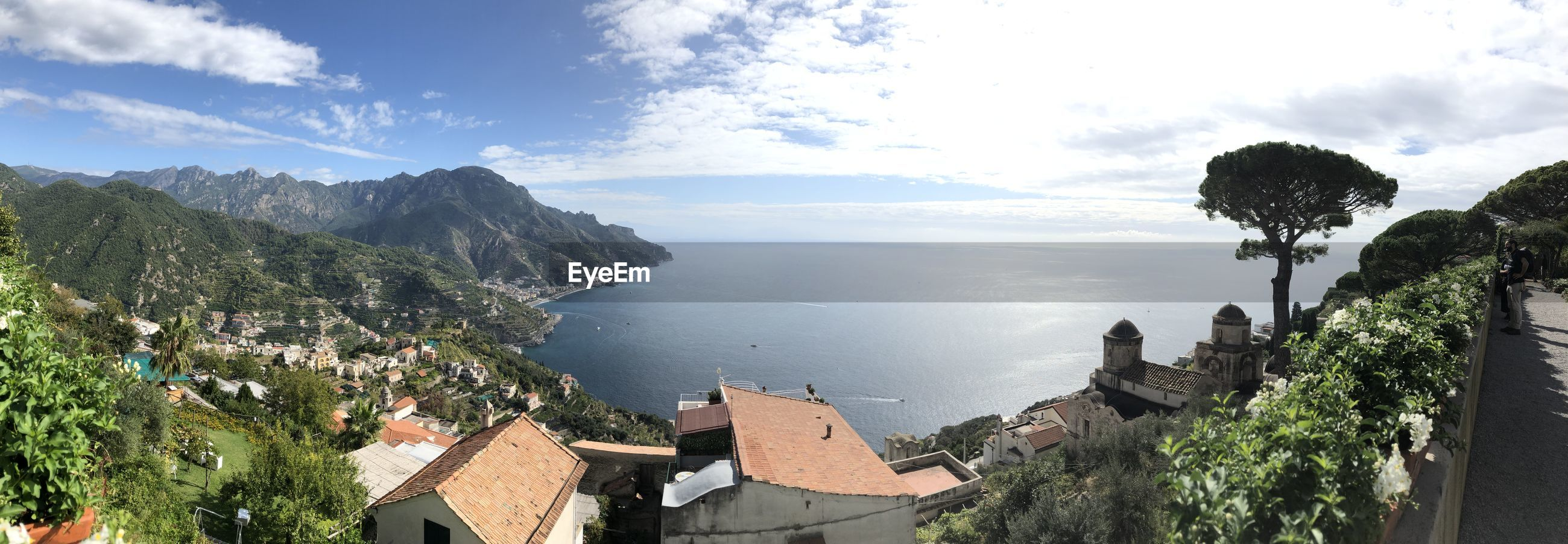 PANORAMIC VIEW OF TOWN BY SEA