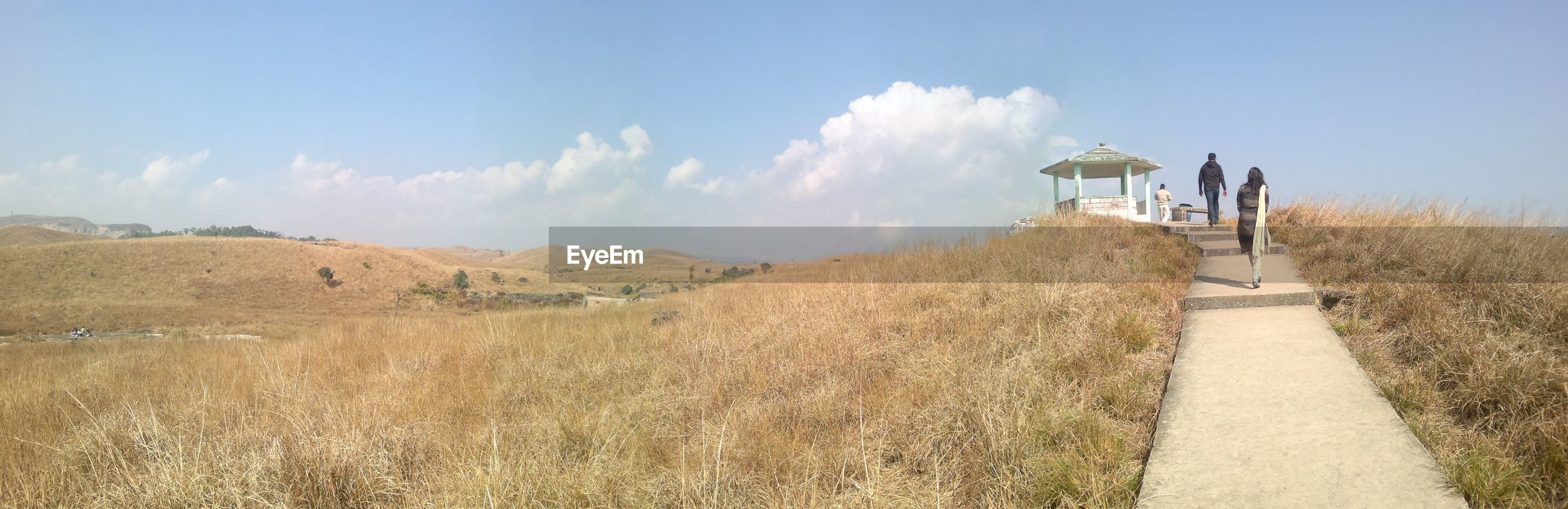 PANORAMIC VIEW OF LANDSCAPE AND AGAINST SKY