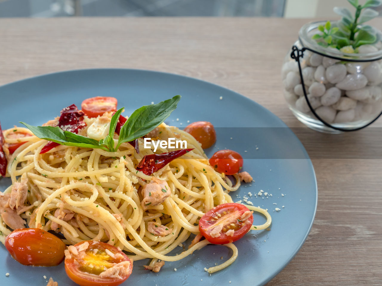 food and drink, food, italian food, pasta, freshness, plate, table, ready-to-eat, healthy eating, wellbeing, vegetable, still life, tomato, indoors, fruit, close-up, spaghetti, serving size, herb, no people, meal, garnish, crockery