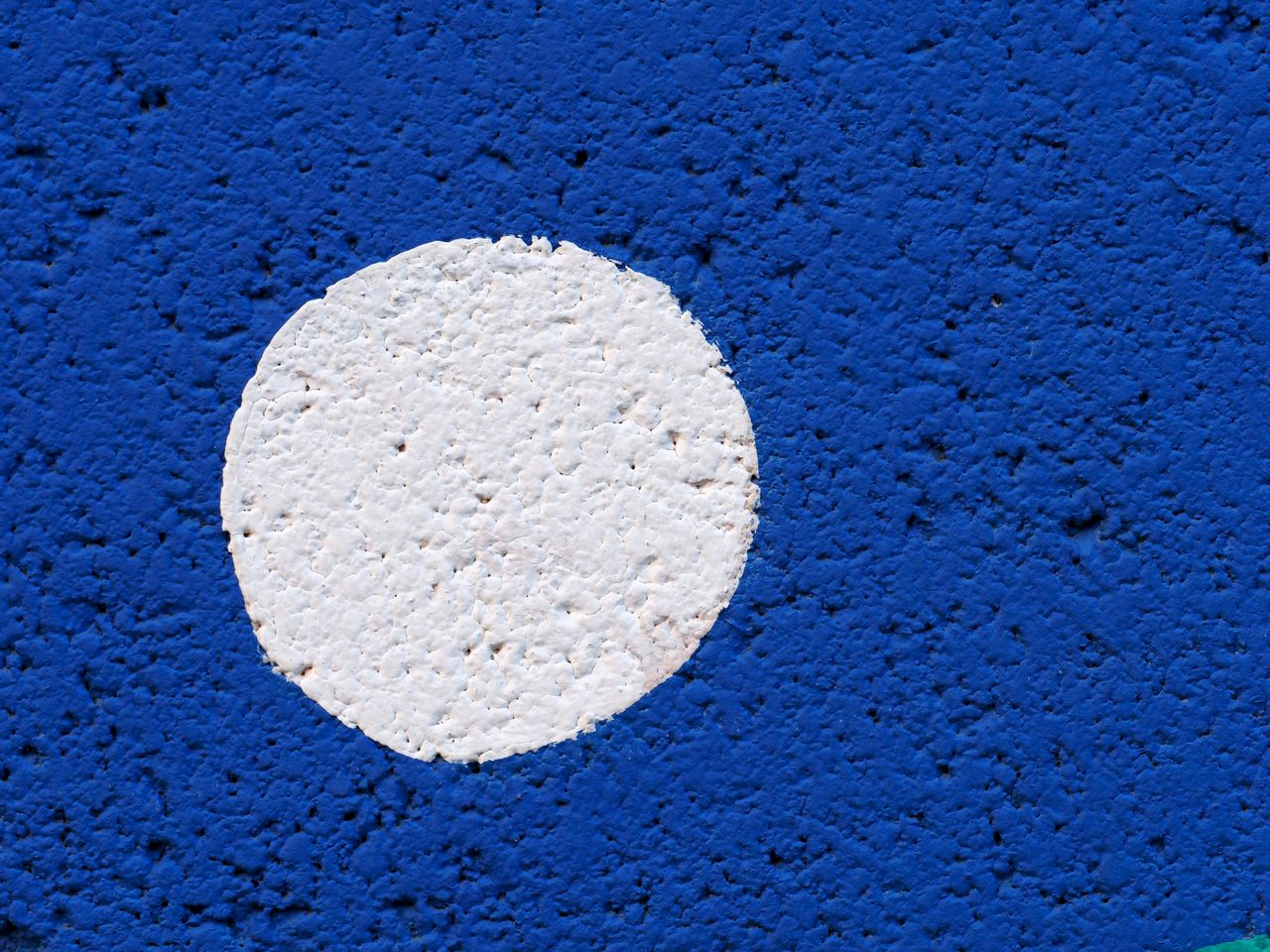 blue, white color, textured, no people, close-up, wall - building feature, architecture, shape, full frame, backgrounds, pattern, built structure, wall, design, copy space, circle, geometric shape, number, outdoors, food and drink, concrete, blue background