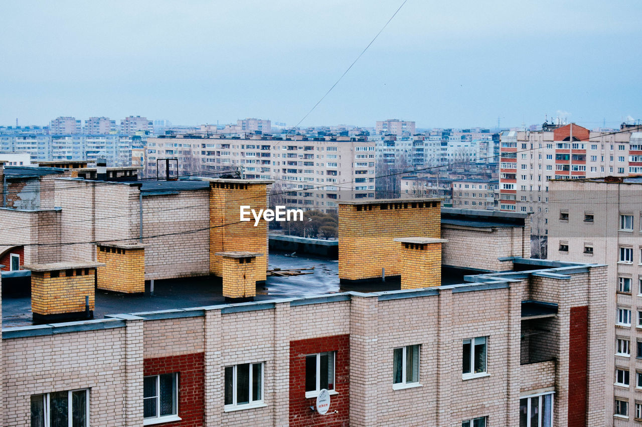 architecture, building exterior, built structure, no people, residential building, city, cityscape, outdoors, day, apartment, sky