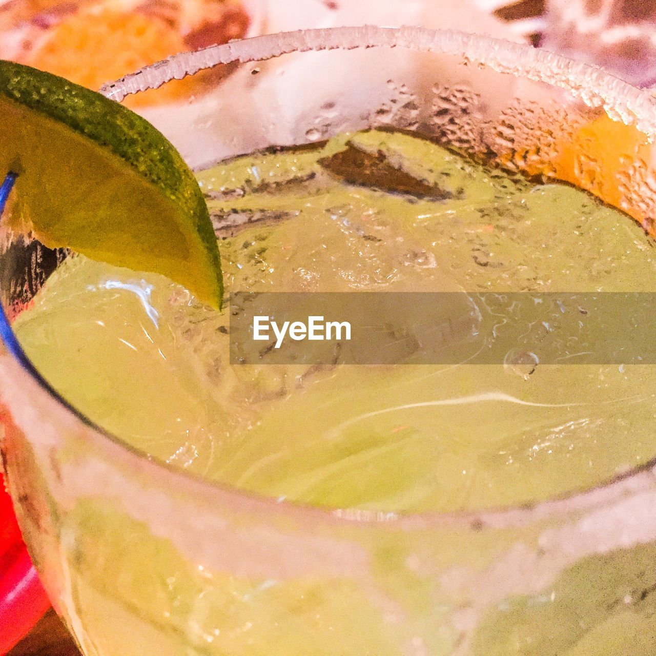 food and drink, drink, refreshment, freshness, drinking glass, slice, close-up, alcohol, no people, cold temperature, ice cube, healthy eating, indoors, tonic water, day