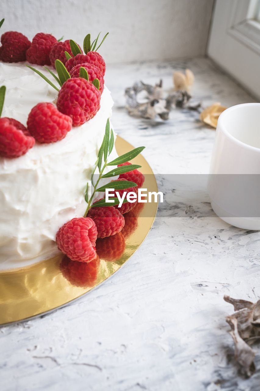 food and drink, food, berry fruit, freshness, fruit, table, strawberry, healthy eating, still life, sweet food, indulgence, sweet, dessert, indoors, temptation, baked, red, no people, cake, close-up, mint leaf - culinary, herb