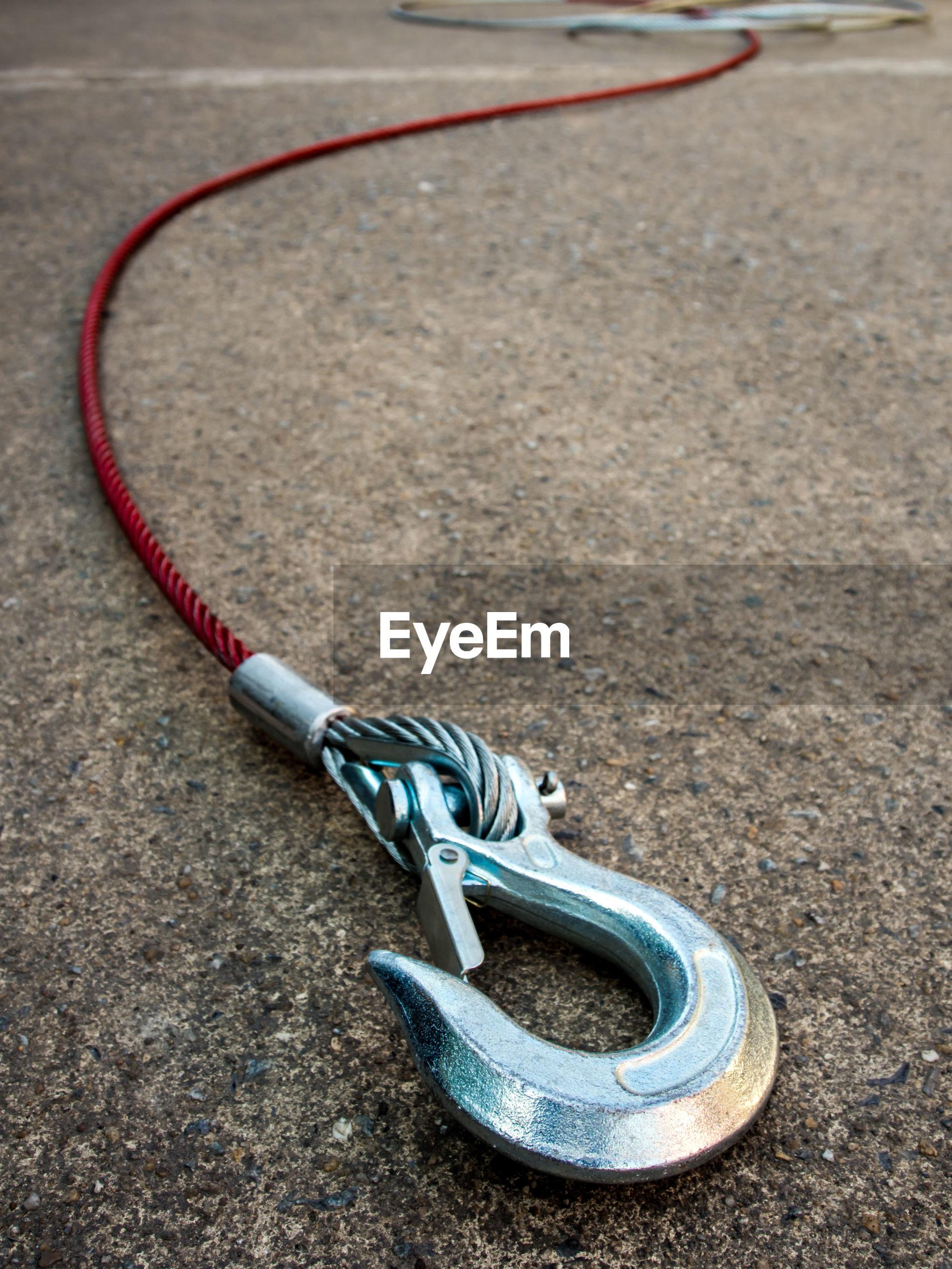 Hook on road