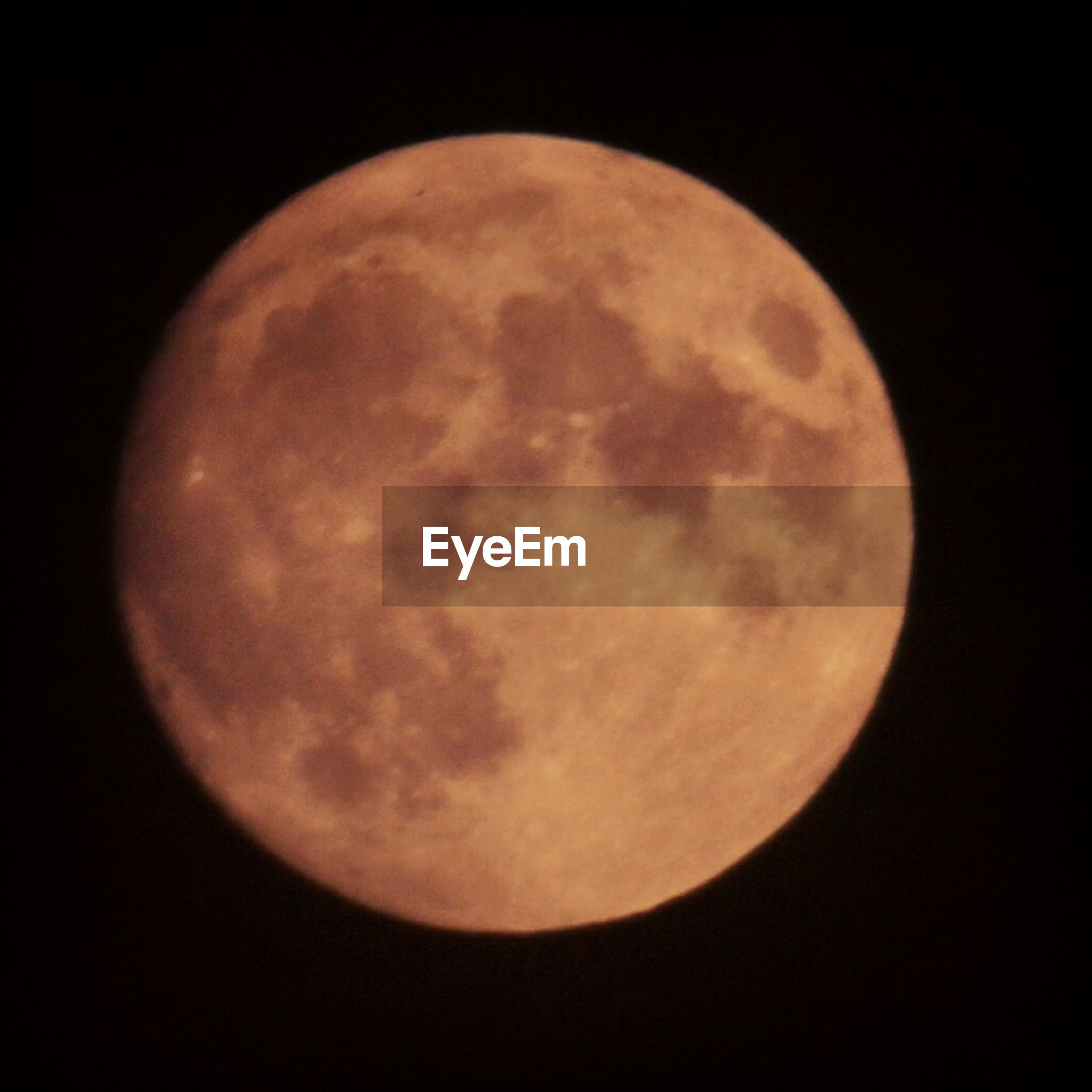 astronomy, moon, full moon, planetary moon, moon surface, night, circle, discovery, space exploration, sphere, beauty in nature, scenics, tranquil scene, tranquility, sky, nature, low angle view, majestic, exploration, dark