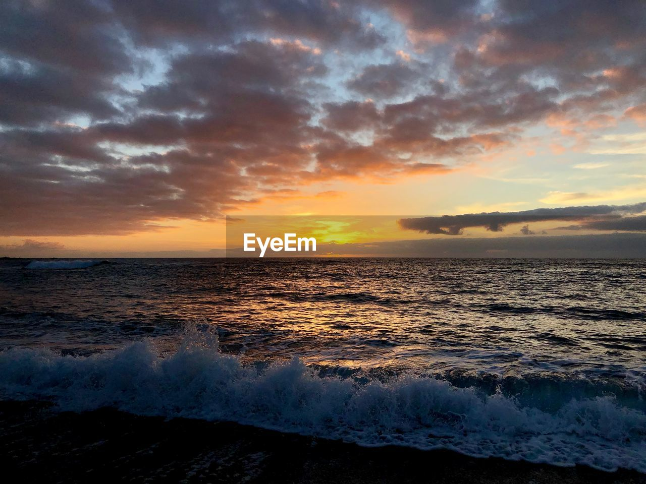 sea, sunset, water, sky, cloud - sky, horizon, horizon over water, beauty in nature, scenics - nature, beach, wave, land, motion, idyllic, tranquility, orange color, no people, tranquil scene, nature, outdoors