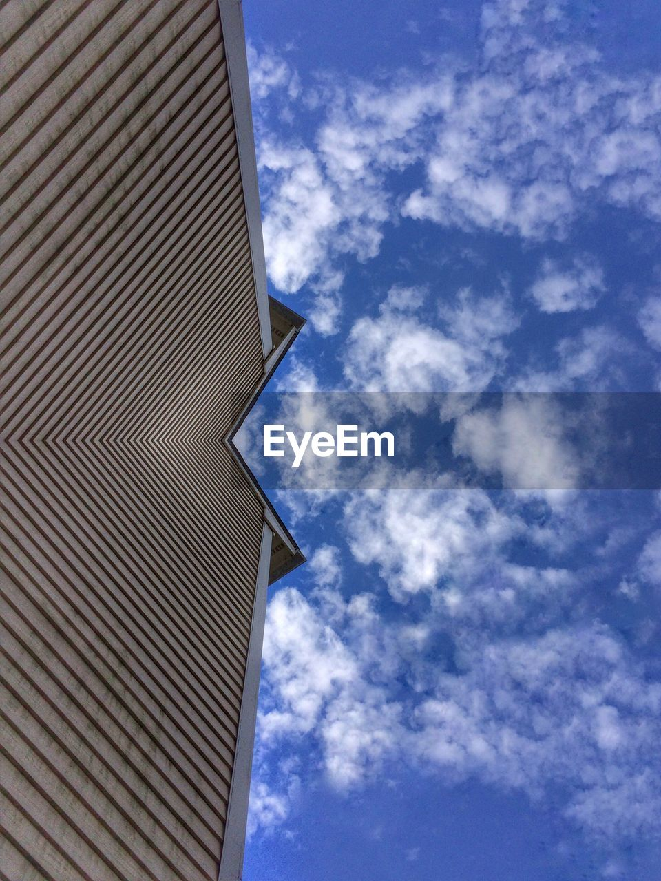 architecture, built structure, low angle view, sky, building exterior, cloud - sky, day, no people, modern, outdoors