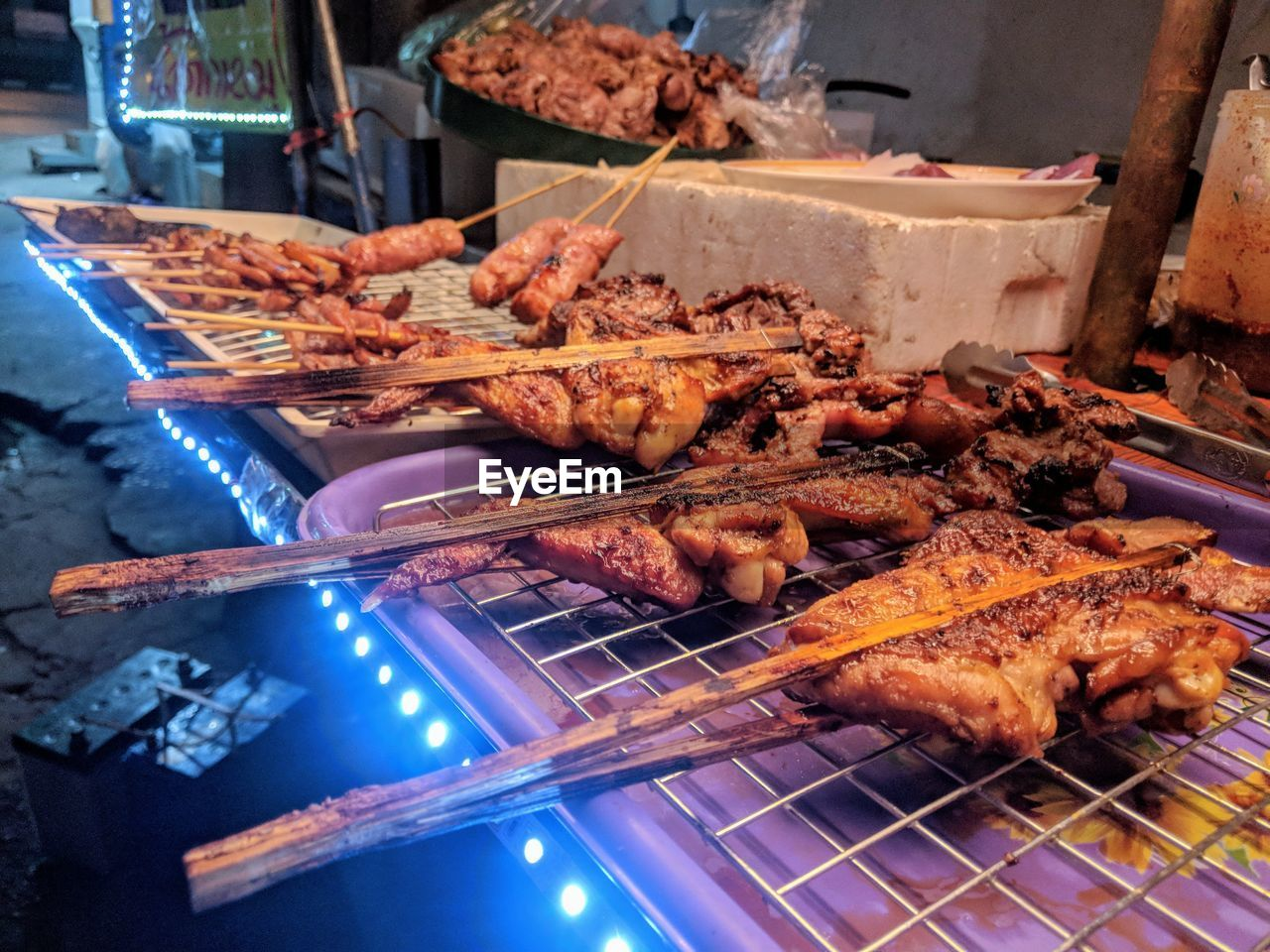 meat, food and drink, food, freshness, barbecue, preparation, grilled, barbecue grill, skewer, indoors, still life, heat - temperature, roasted, close-up, no people, healthy eating, high angle view, kebab, choice, wellbeing, preparing food