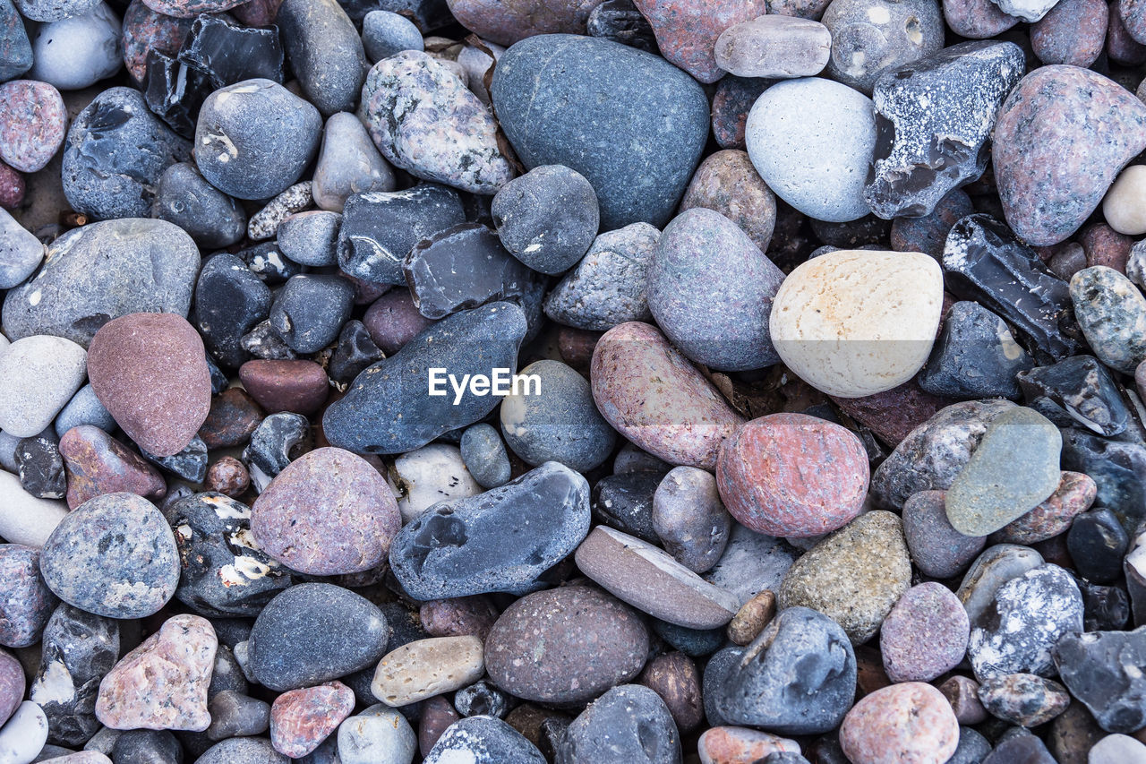 pebble, full frame, backgrounds, pebble beach, beach, large group of objects, no people, rock - object, nature, close-up, textured, outdoors, day
