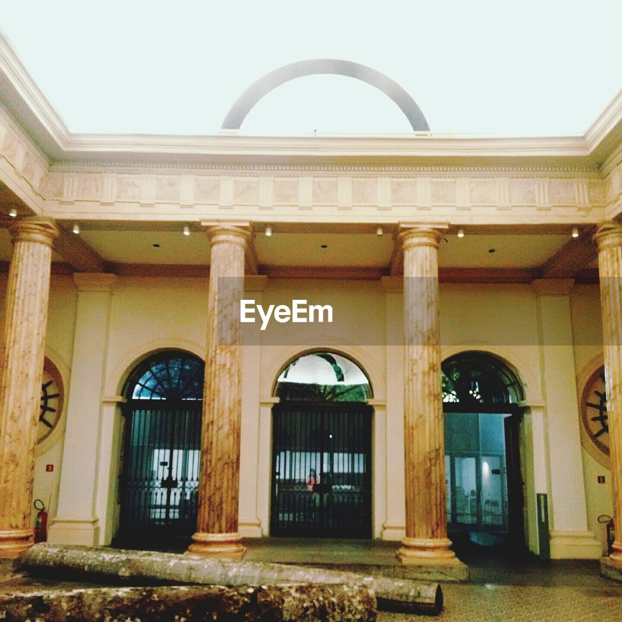 architecture, arch, built structure, building exterior, history, outdoors, day, architectural column, no people